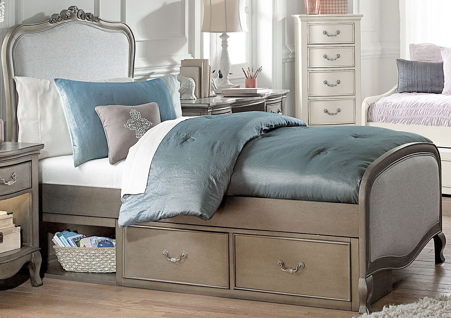 kensington antique silver katherine upholstered twin panel bed with storage from ne kids. Black Bedroom Furniture Sets. Home Design Ideas