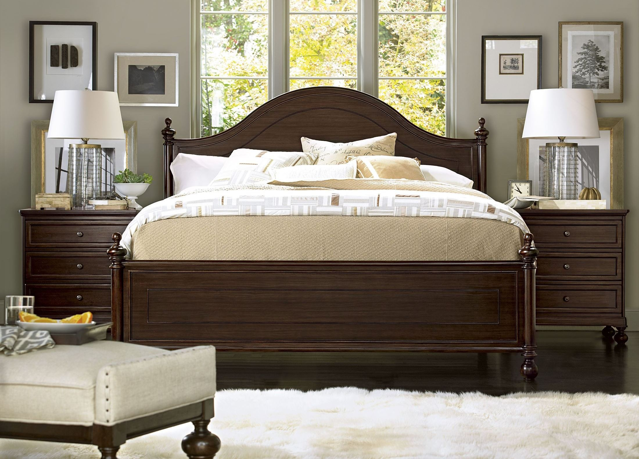 Proximity Low Post Bedroom Set From Universal 356250b Coleman Furniture