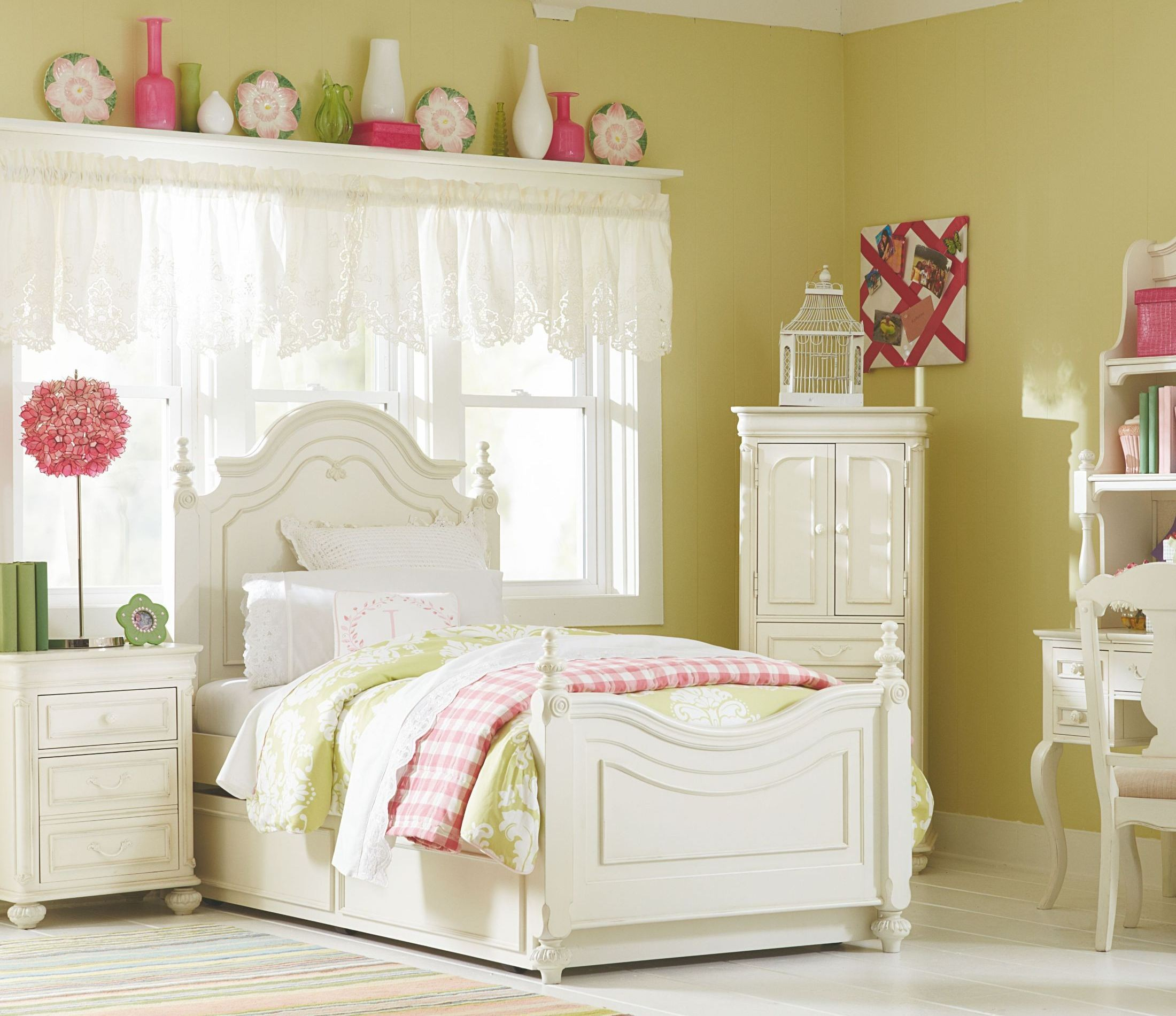 poster bedroom set youth low poster bedroom set from legacy 12927