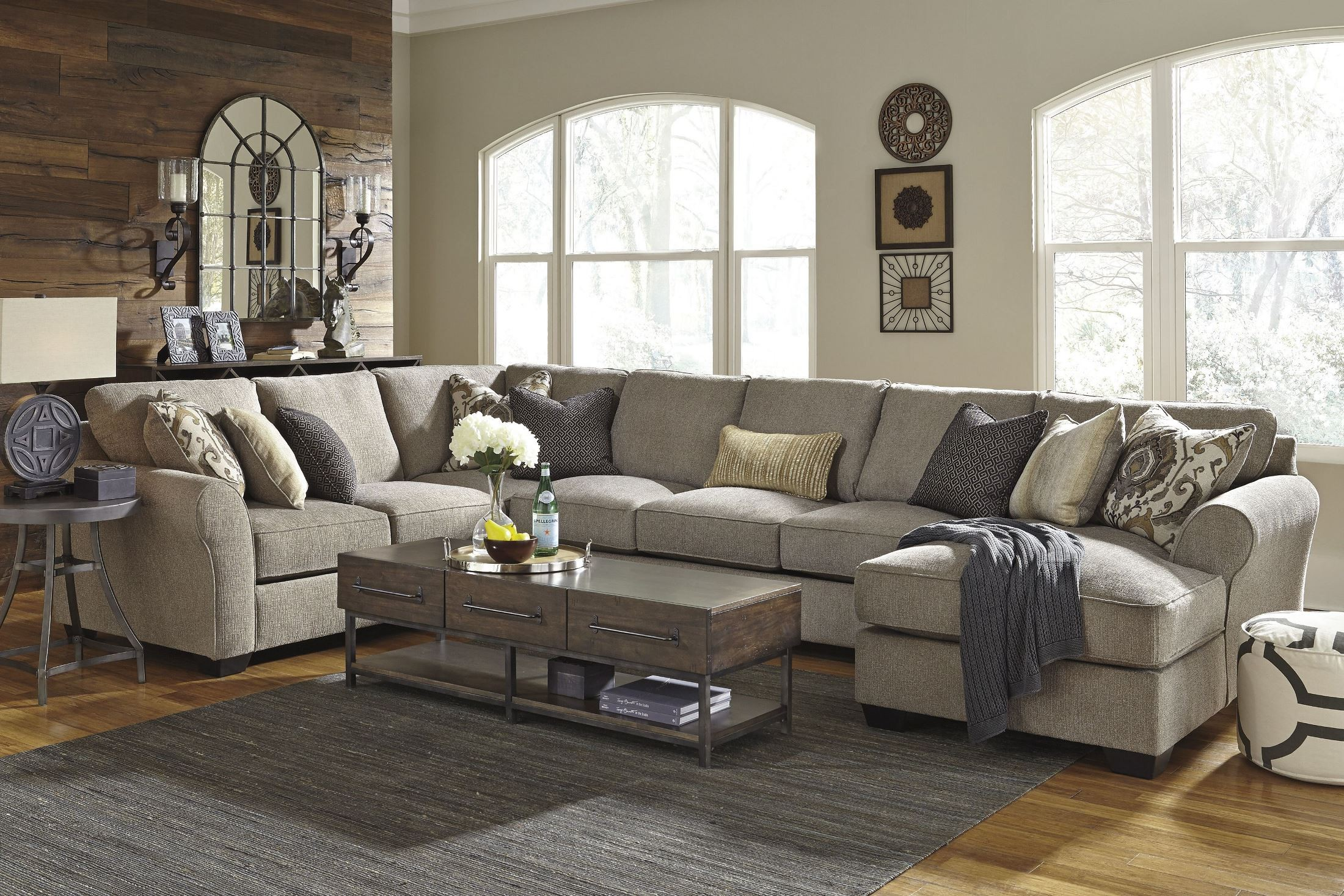 Pantomine Driftwood Raf Large Chaise Sectional 3910216