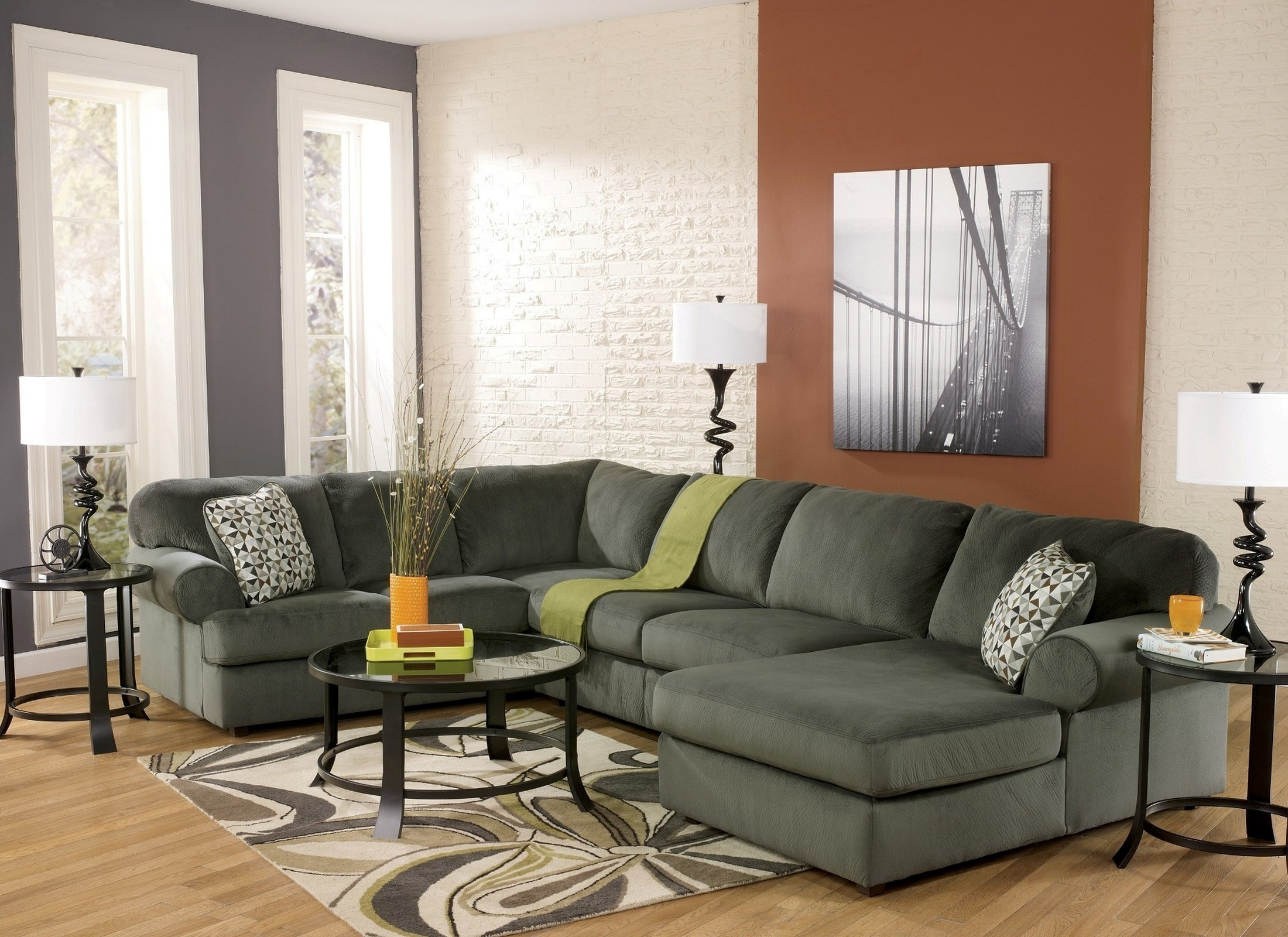 2297965 : right arm facing sectional - Sectionals, Sofas & Couches