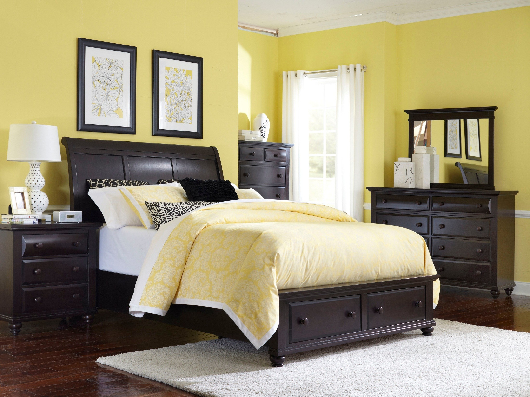 Farnsworth Sleigh Storage Bedroom Set From Broyhill 4856 260 263 460 Coleman Furniture