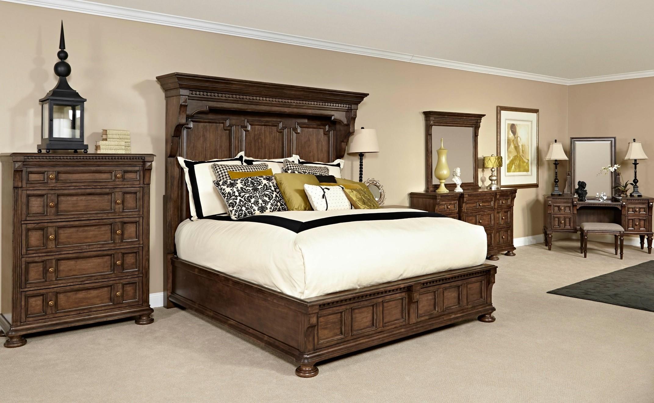 Lyla Mansion Bedroom Set From Broyhill 4912 260 265 460