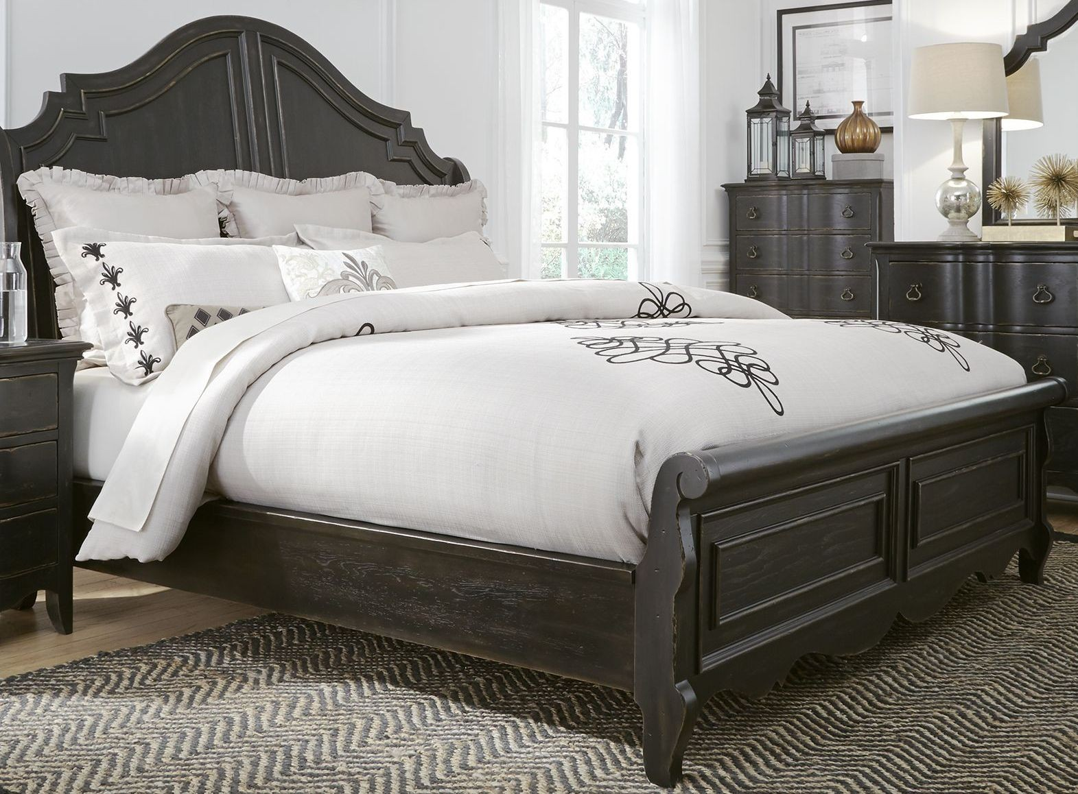 Chesapeake Antique Black Queen Sleigh Bed From Liberty