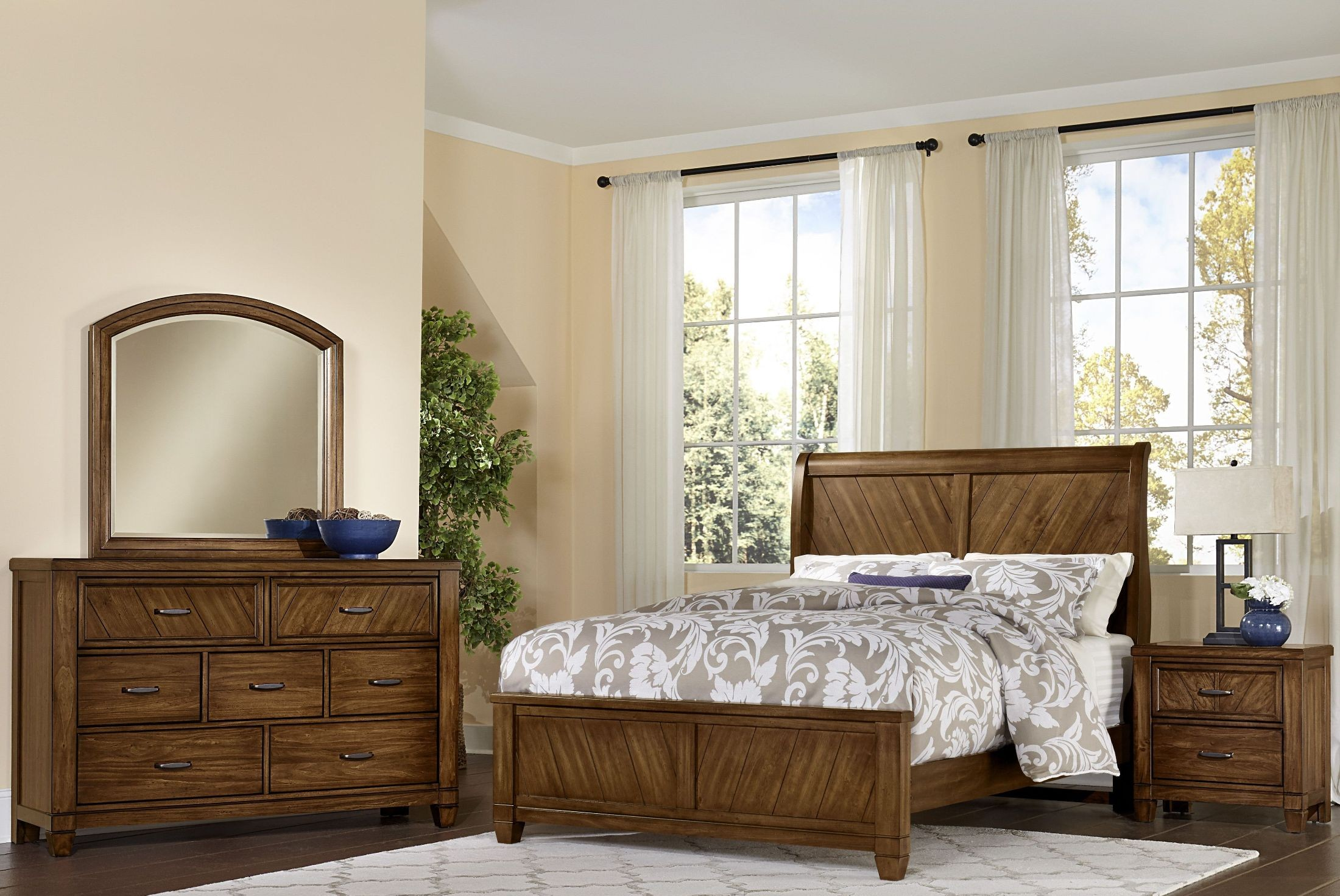 Rustic Cottage Rustic Cherry Sleigh Bedroom Set From Virginia House Coleman Furniture