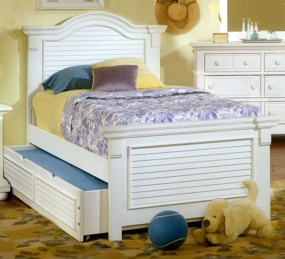 Cottage Traditions White Full Panel Bed From American