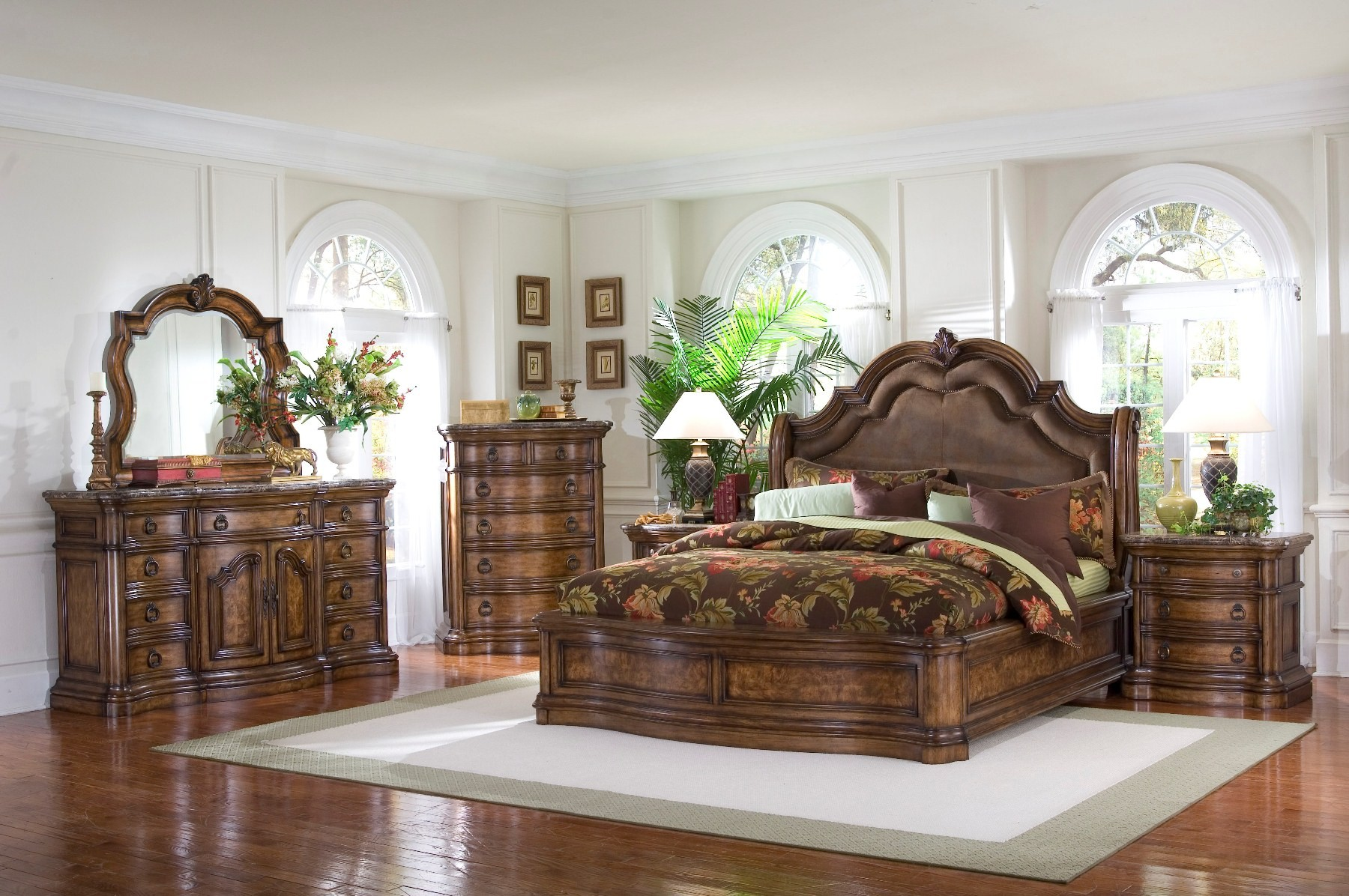San Mateo Sleigh Bedroom Set From Pulaski (662170 662171 662172) | Coleman  Furniture