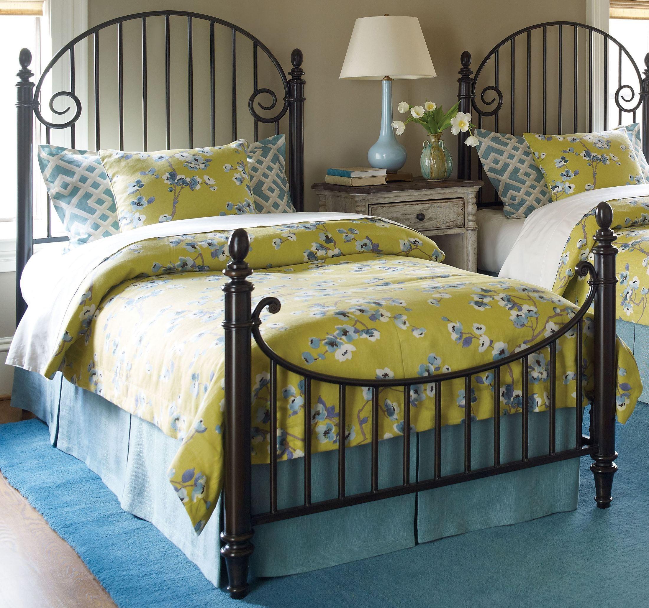 Weatherford cornsilk catlins metal bedroom set from for Kincaid american journal bedroom furniture