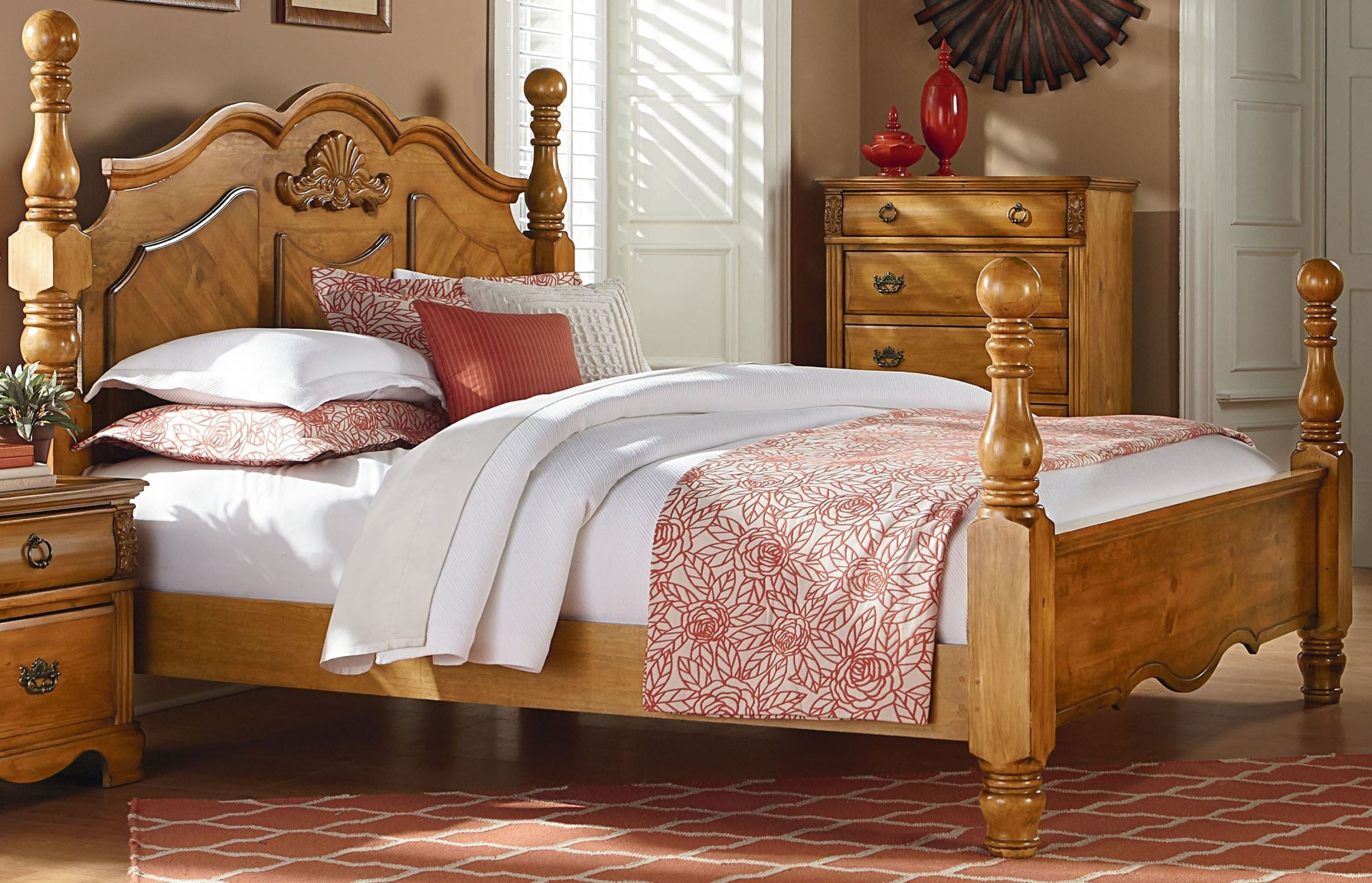 Georgetown Golden Honey Pine King Poster Bed From Standard