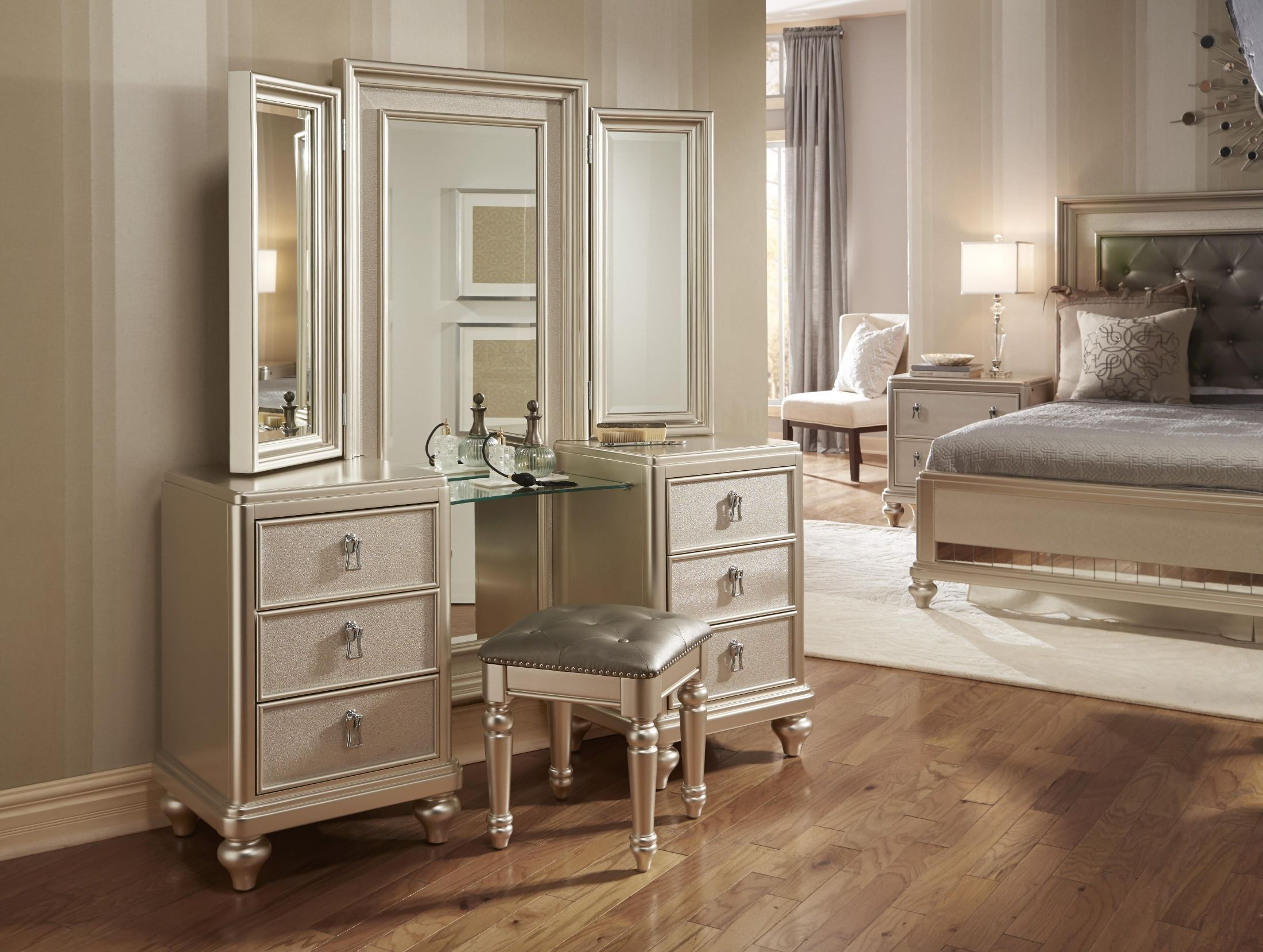 Diva Metallic Vanity Dresser with stool from Samuel Lawrence (8808 ...