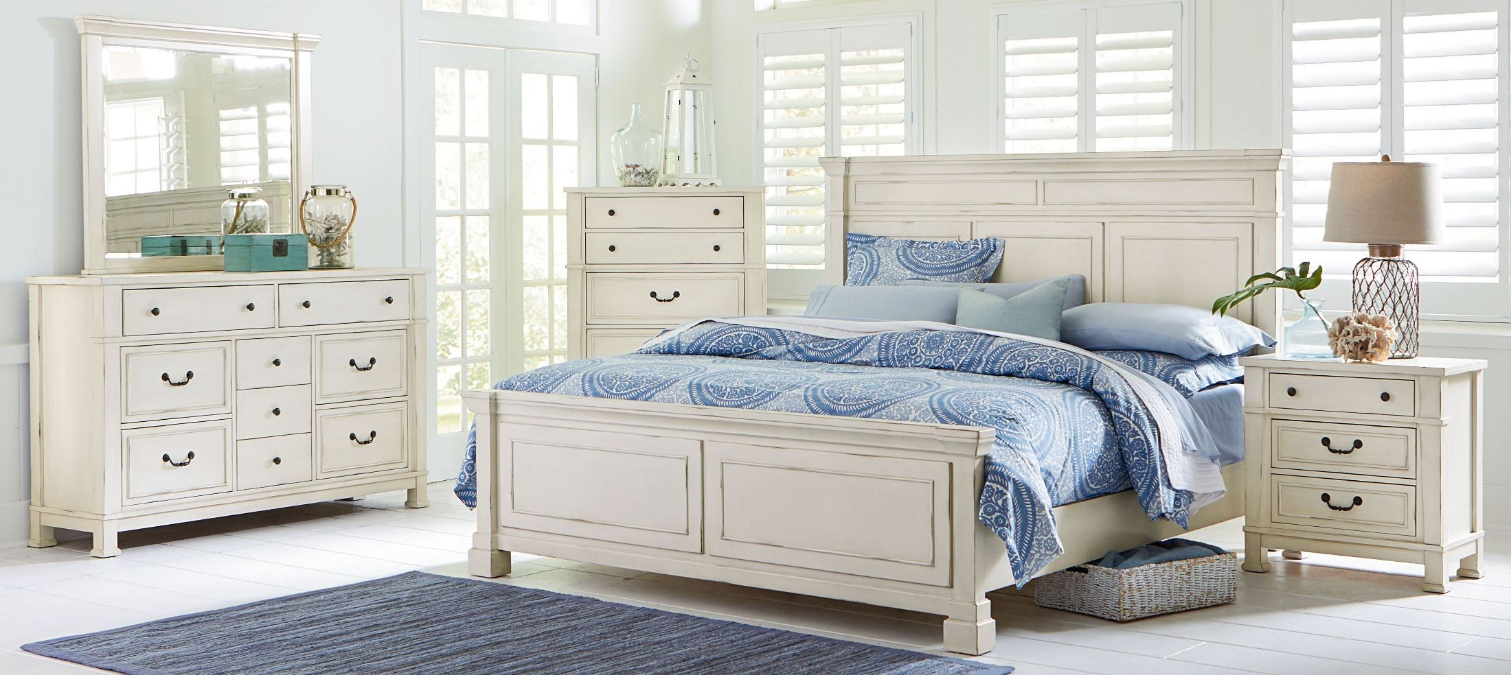 Chesapeake Bay Vintage Chalk White Panel Bedroom Set From