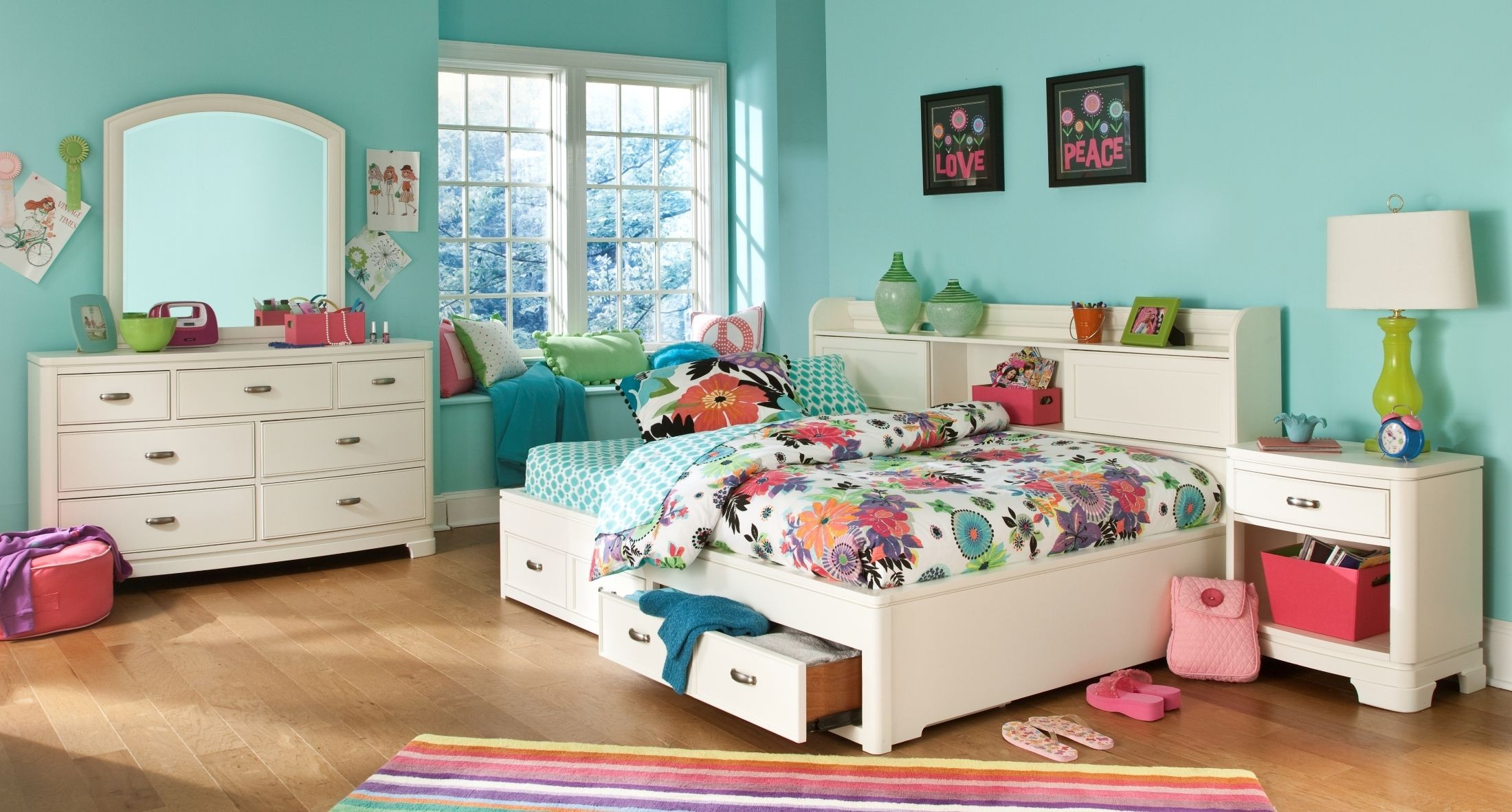 Powell White Twin Bedroom In A Box: Park City White Twin Bookcase Storage Lounge Bed From