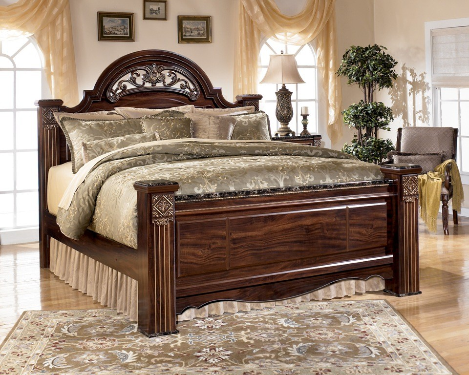 Gabriela King Poster Bed from Ashley (B347-68-66-99) | Coleman Furniture