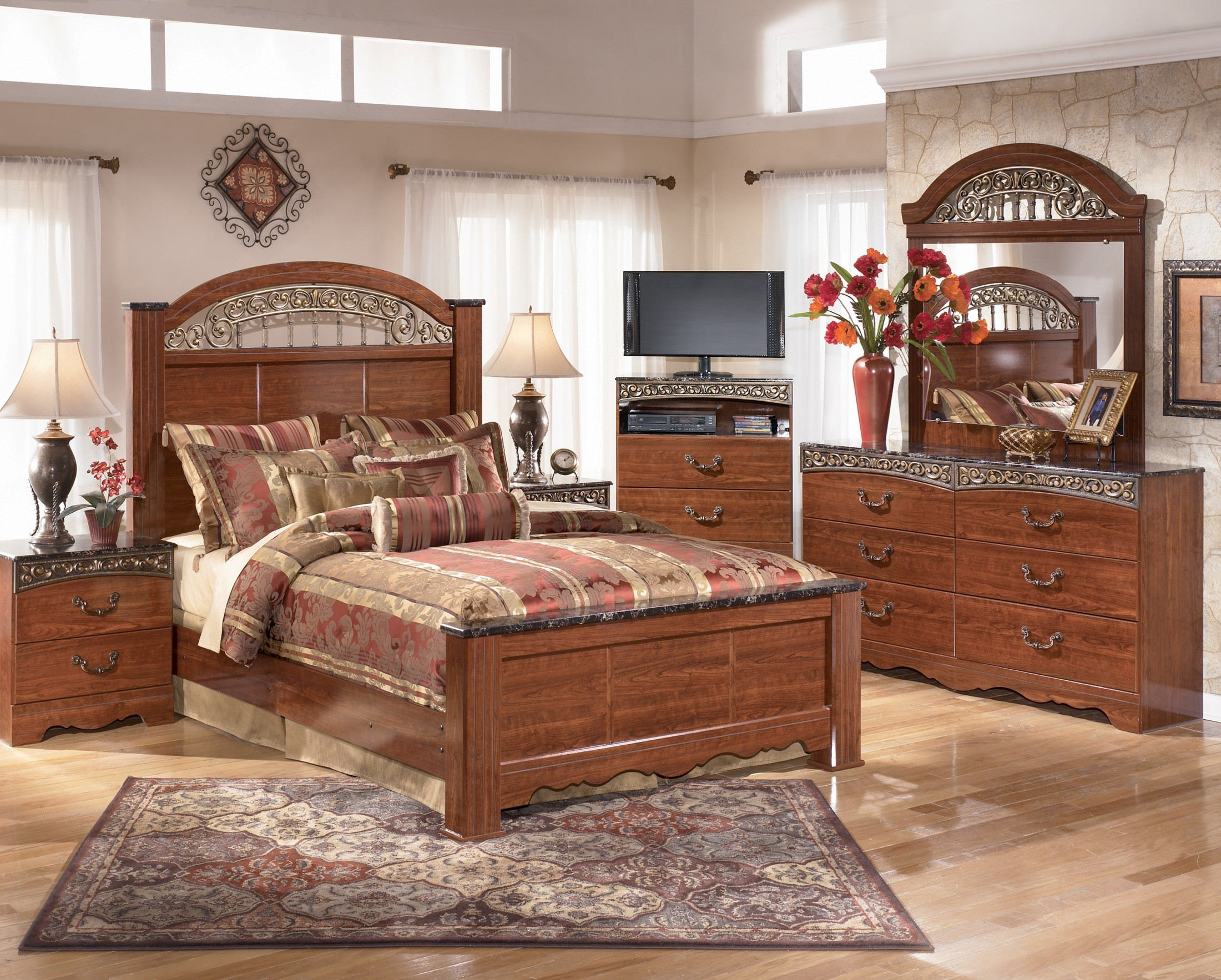 fairbrooks estate poster bedroom set from ashley b105 67 64 98 coleman furniture. Black Bedroom Furniture Sets. Home Design Ideas