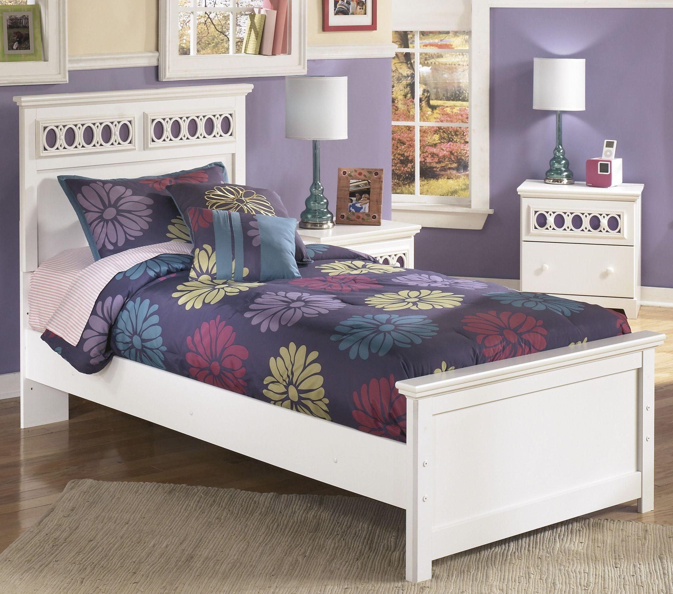 Zayley Bedroom Set 28 Images Zayley Bookcase Bedroom Set B131 85 51 82 Signature Design By