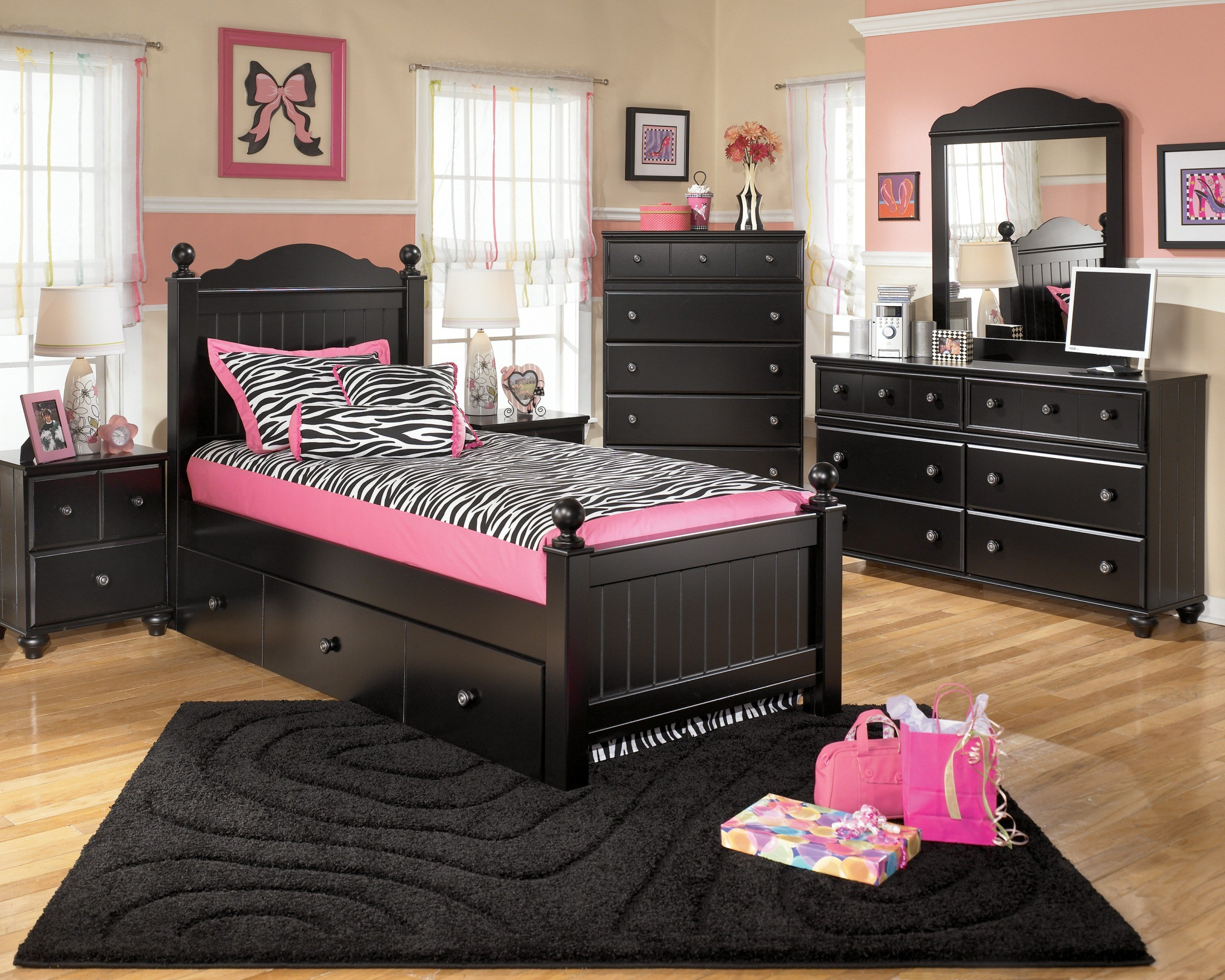 Jaidyn Youth Bedroom Set From Ashley B150 52 53 83