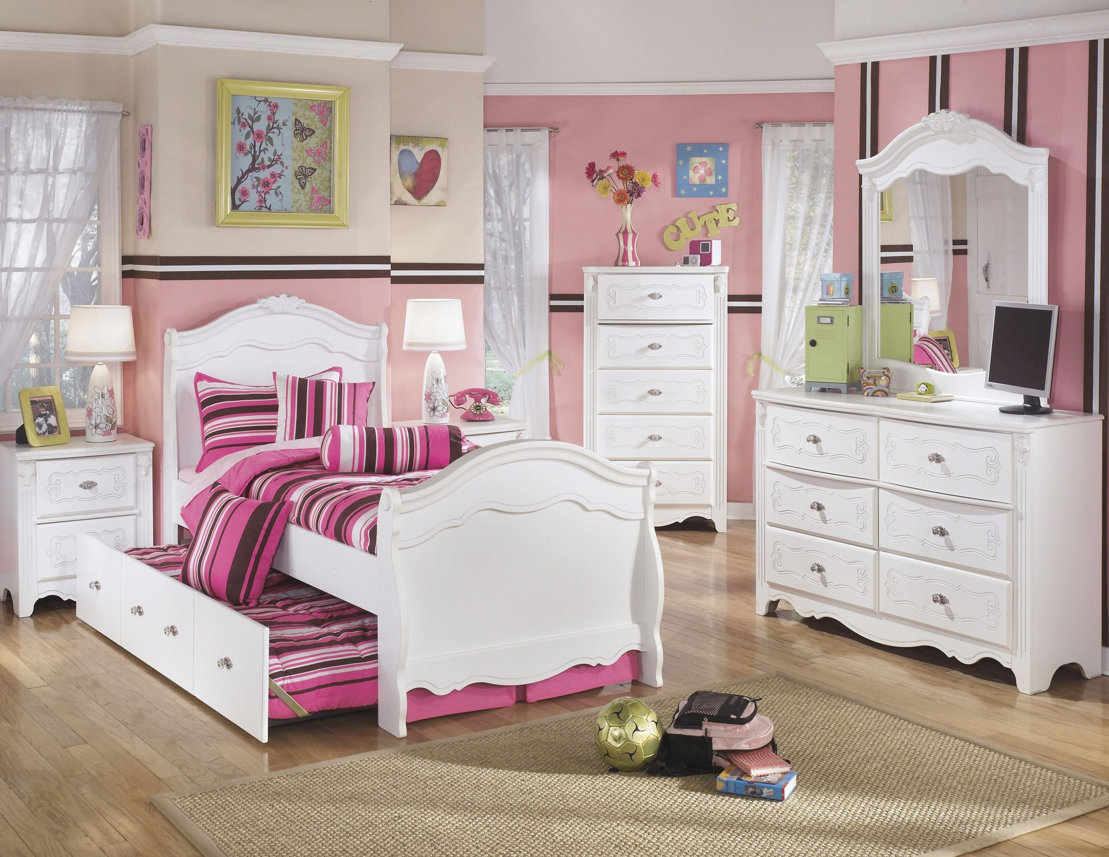 Exquisite Sleigh Trundle Bedroom Set from Ashley | Coleman Furniture