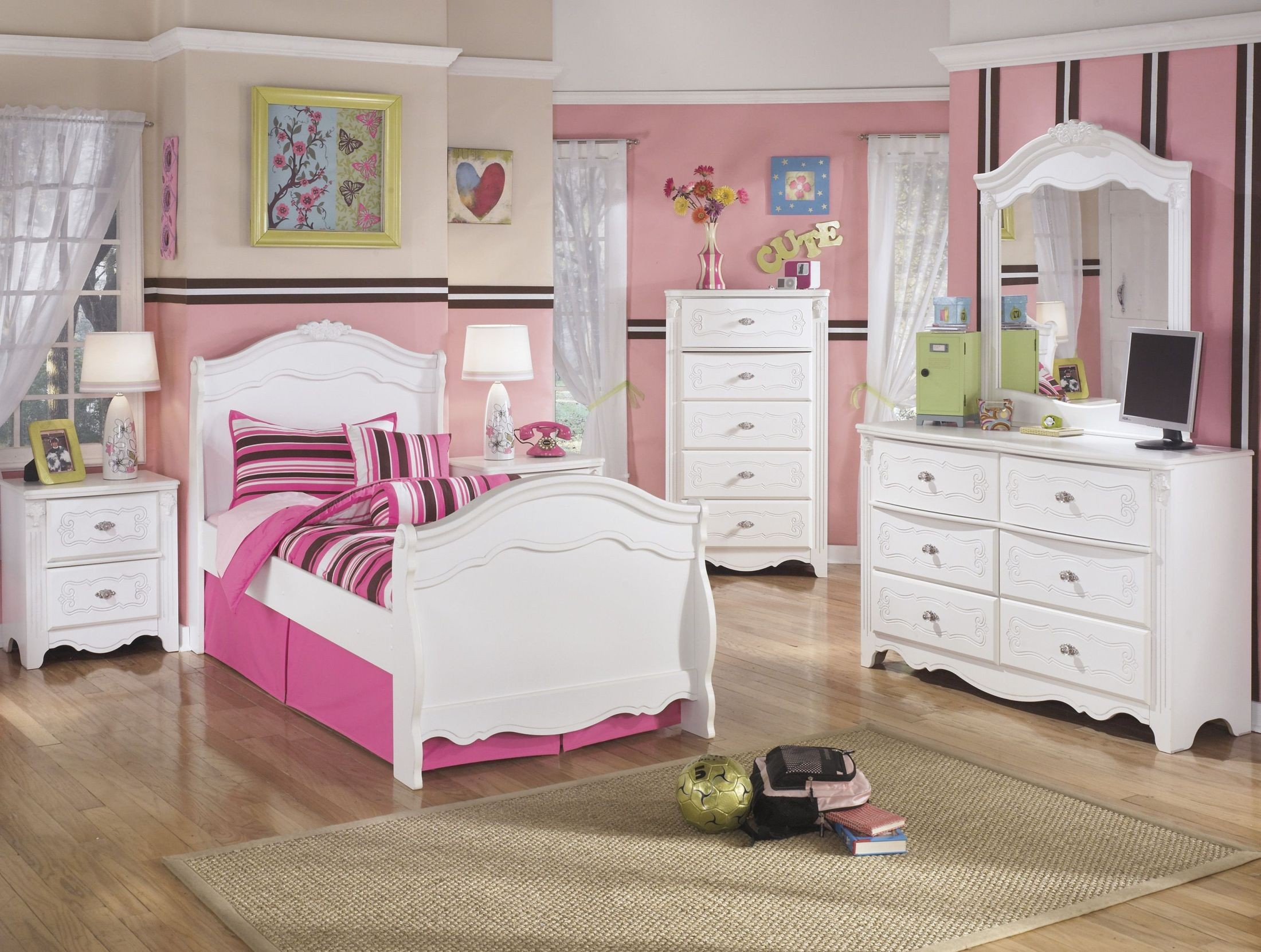 Exquisite Youth Sleigh Bedroom Set from Ashley (B188-62N-63N-82N ...