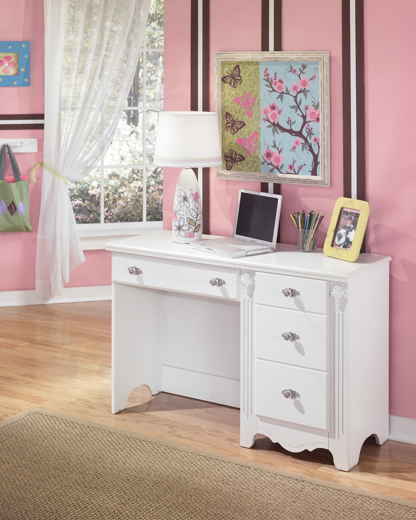 Bedroom Furniture With Desk: Exquisite Bedroom Desk From Ashley (B188-22)
