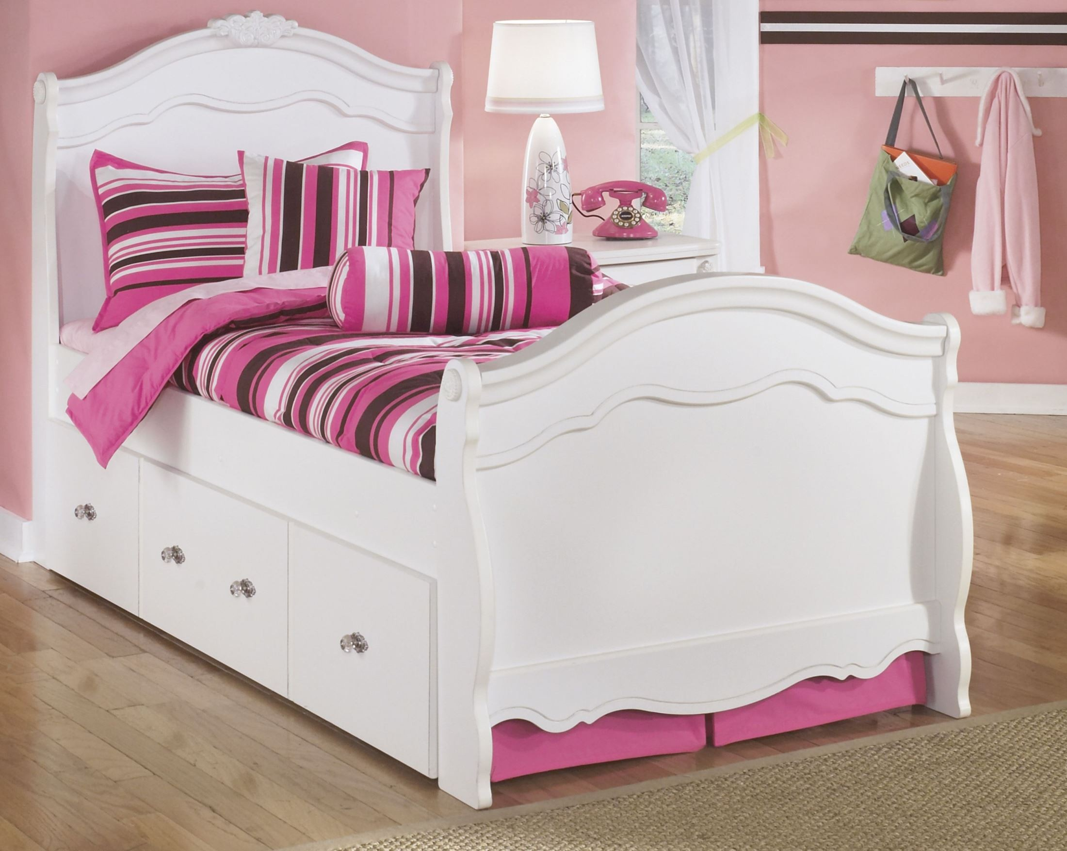 Exquisite youth sleigh bedroom set from ashley b188 62n for Youth bedroom furniture sets