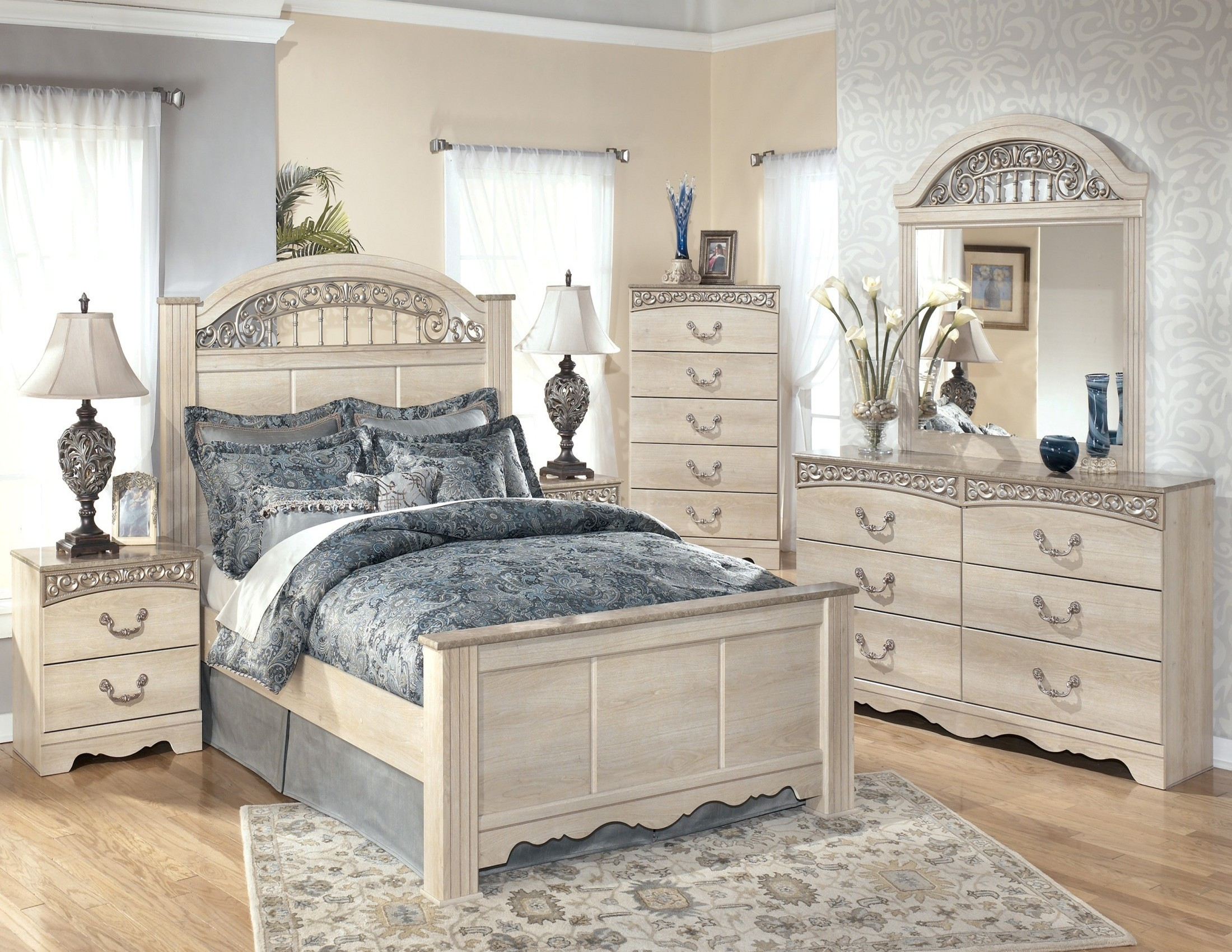 catalina poster bedroom set from ashley b196 67 64 98 coleman furniture. Black Bedroom Furniture Sets. Home Design Ideas