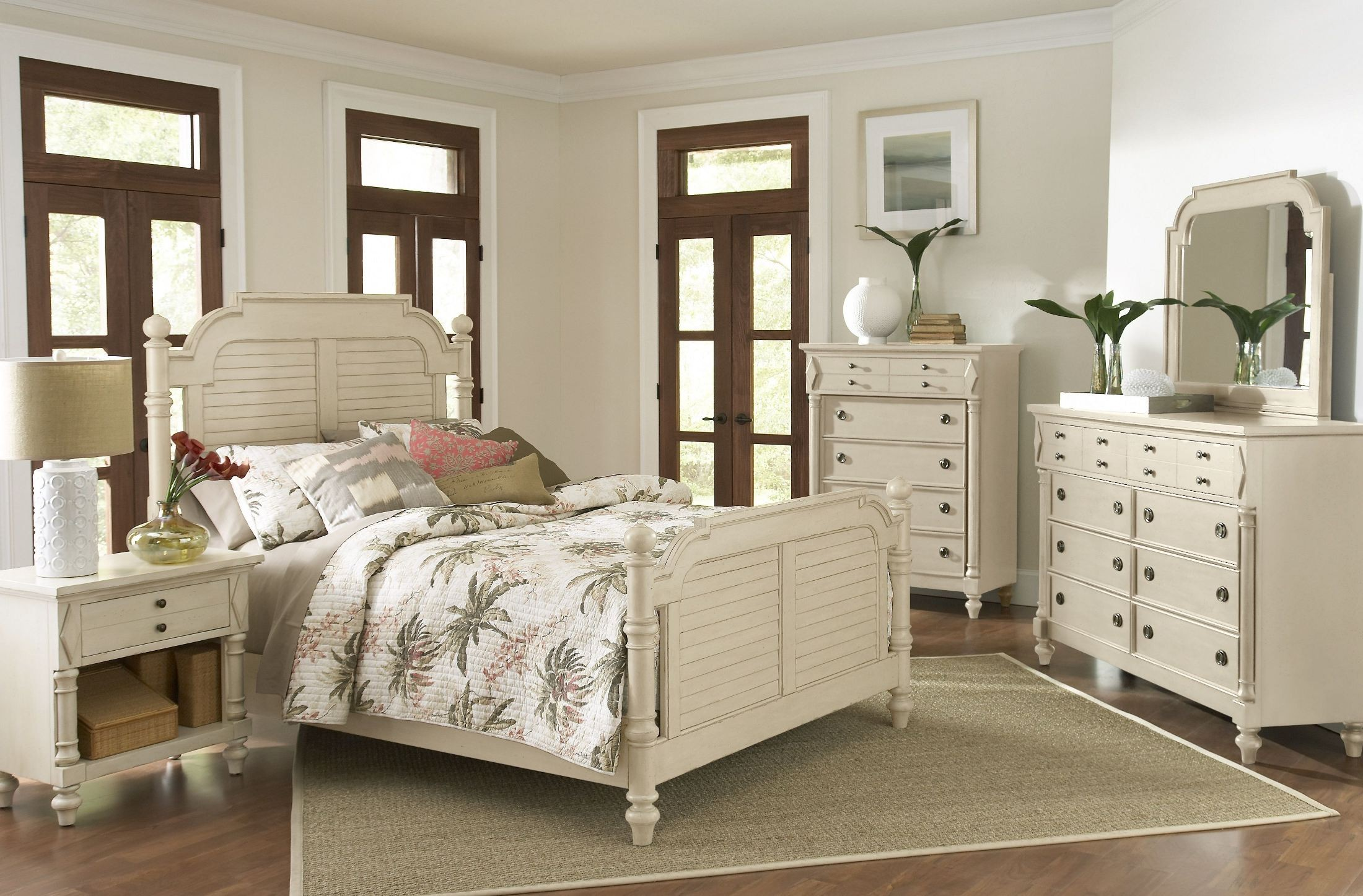 Woodhaven antique white poster bedroom set from largo - White vintage bedroom furniture sets ...