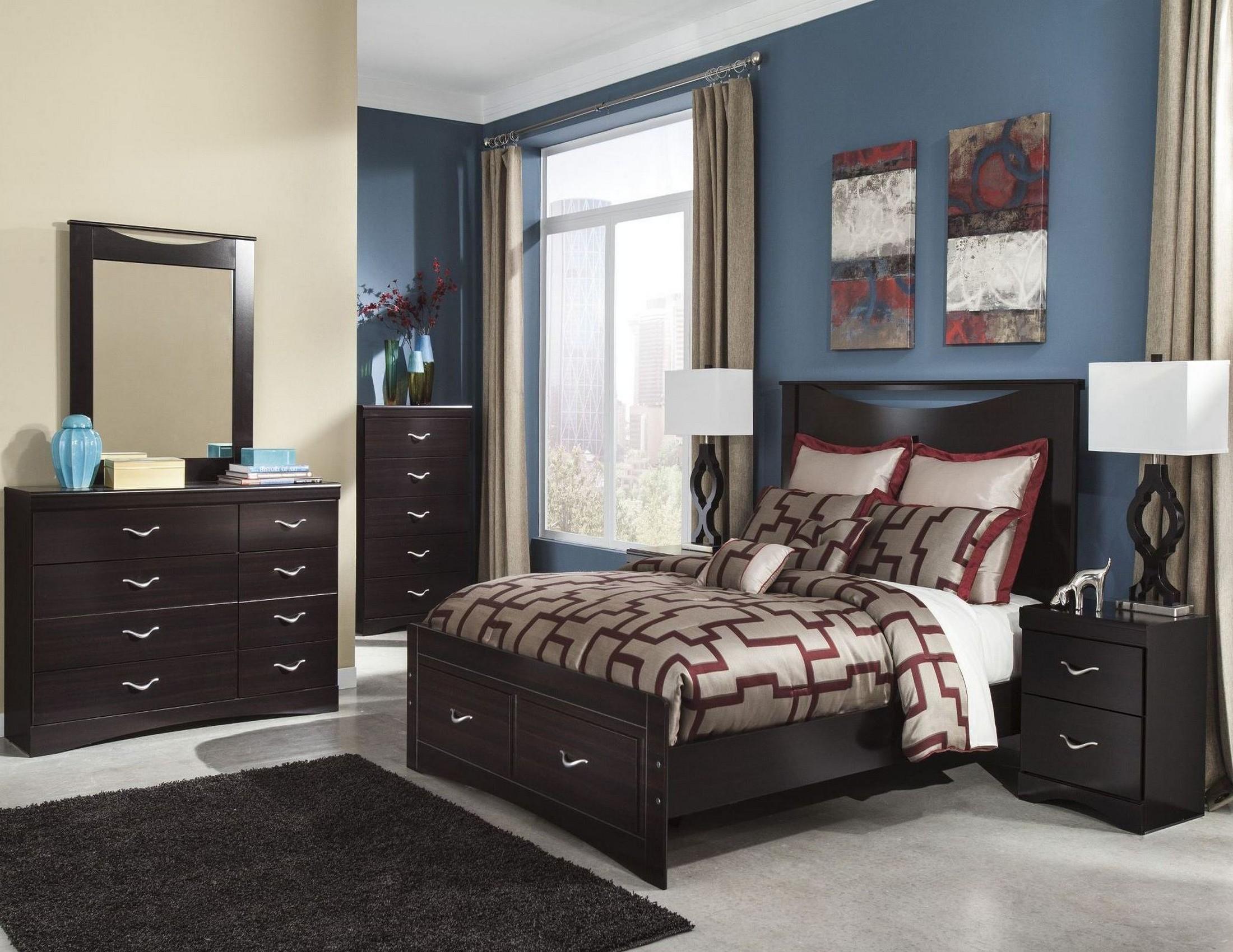 Zanbury Bedroom Set