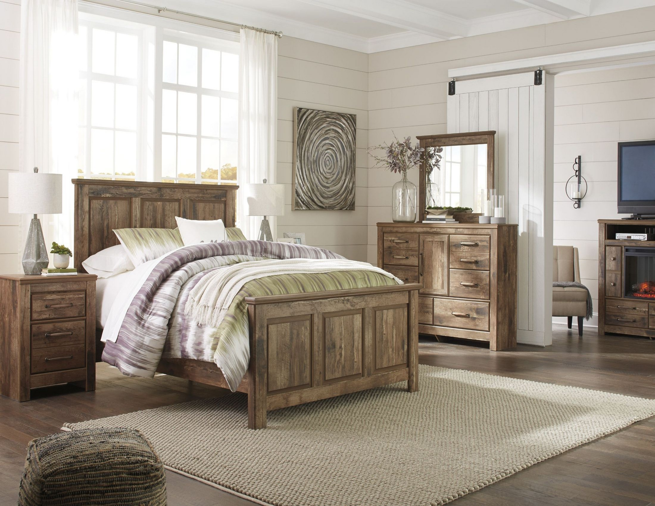 Blaneville brown panel bedroom set from ashley coleman for Brown bedroom furniture