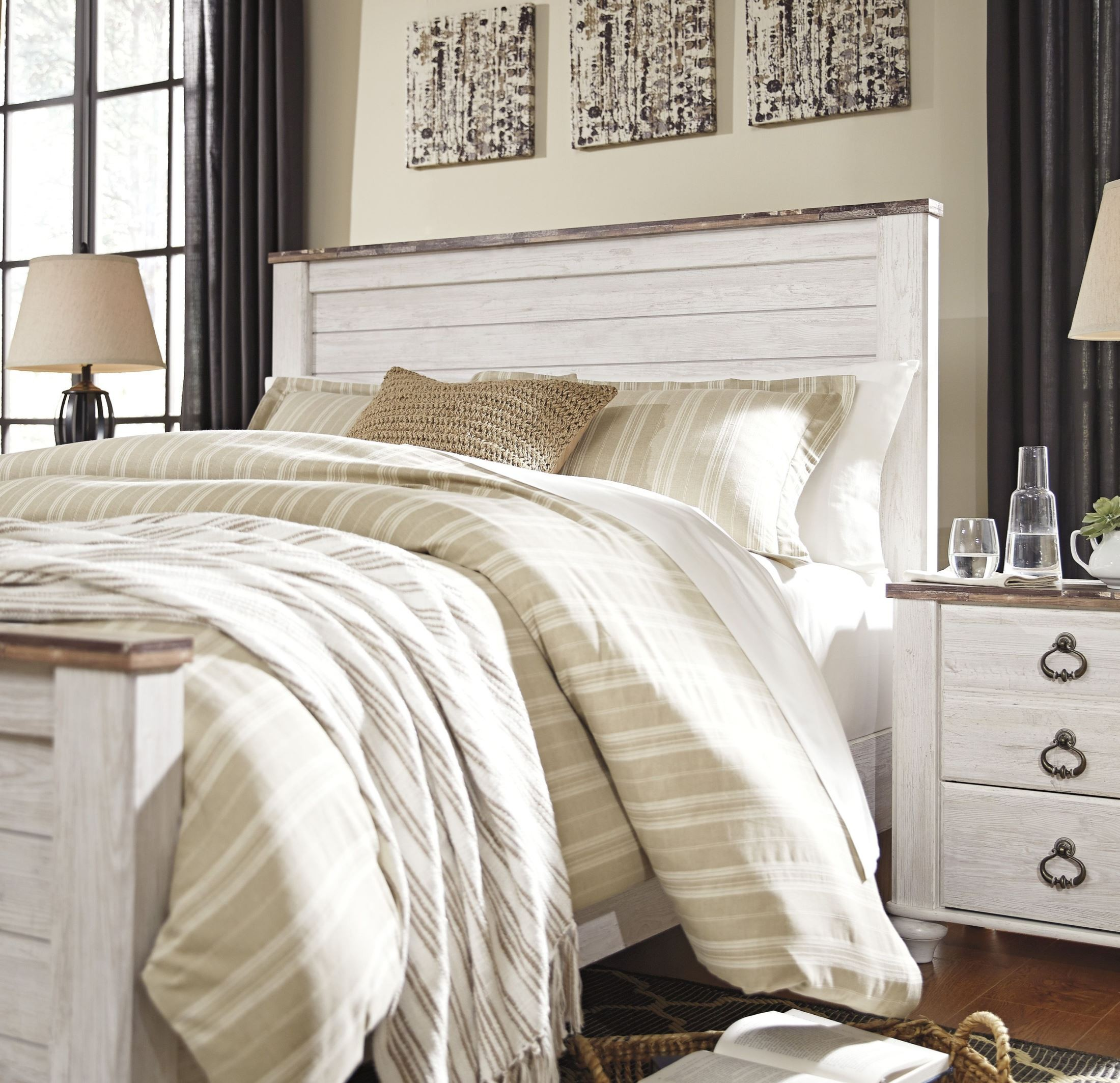 Willowton Whitewash Queen Panel Bed from Ashley | Coleman Furniture