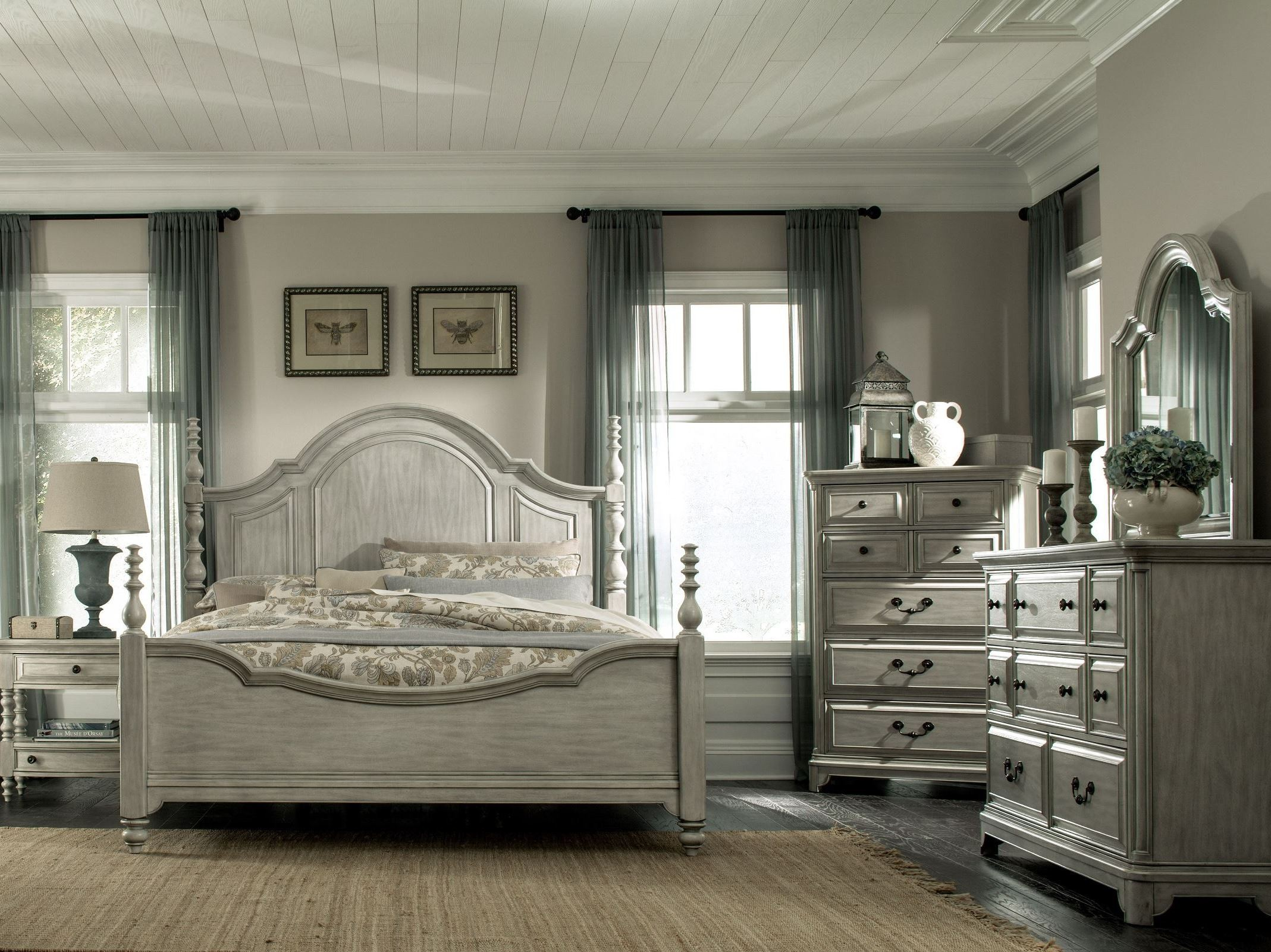 Windsor Lane Weathered Poster Bedroom Set From Magnussen