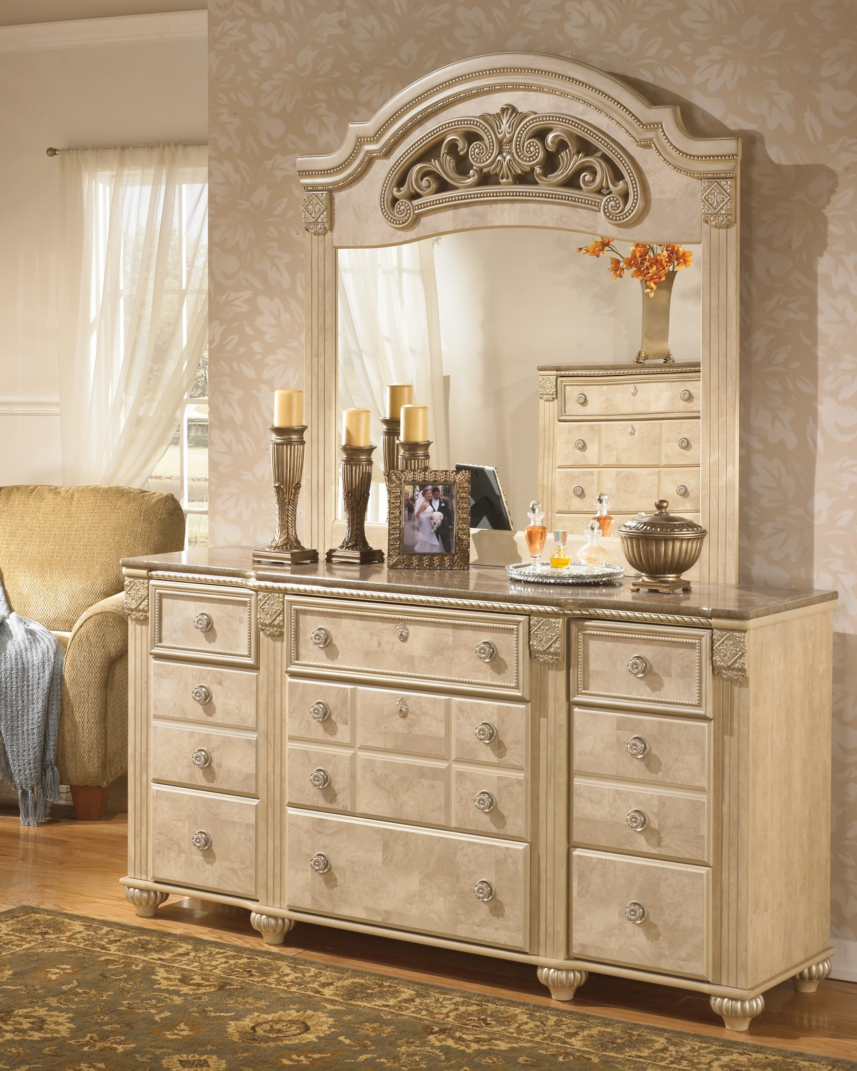 Saveaha Poster Storage Bedroom Set From Ashley