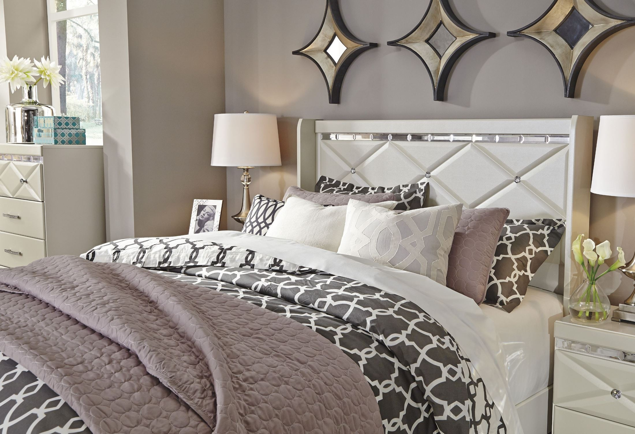 Dreamur Champagne Queen Panel Bed From Ashley B351 57 54