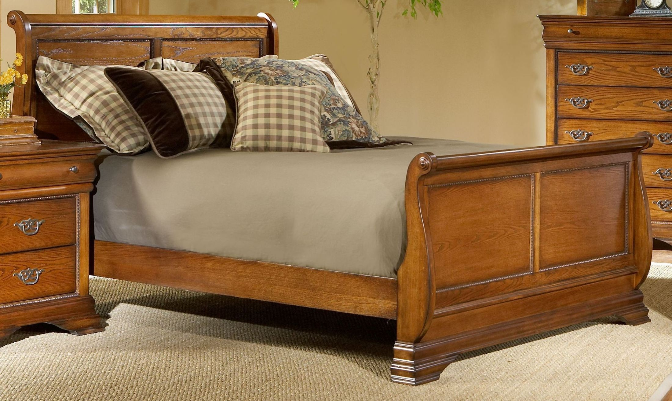 King Cherry Sleigh Bed Set