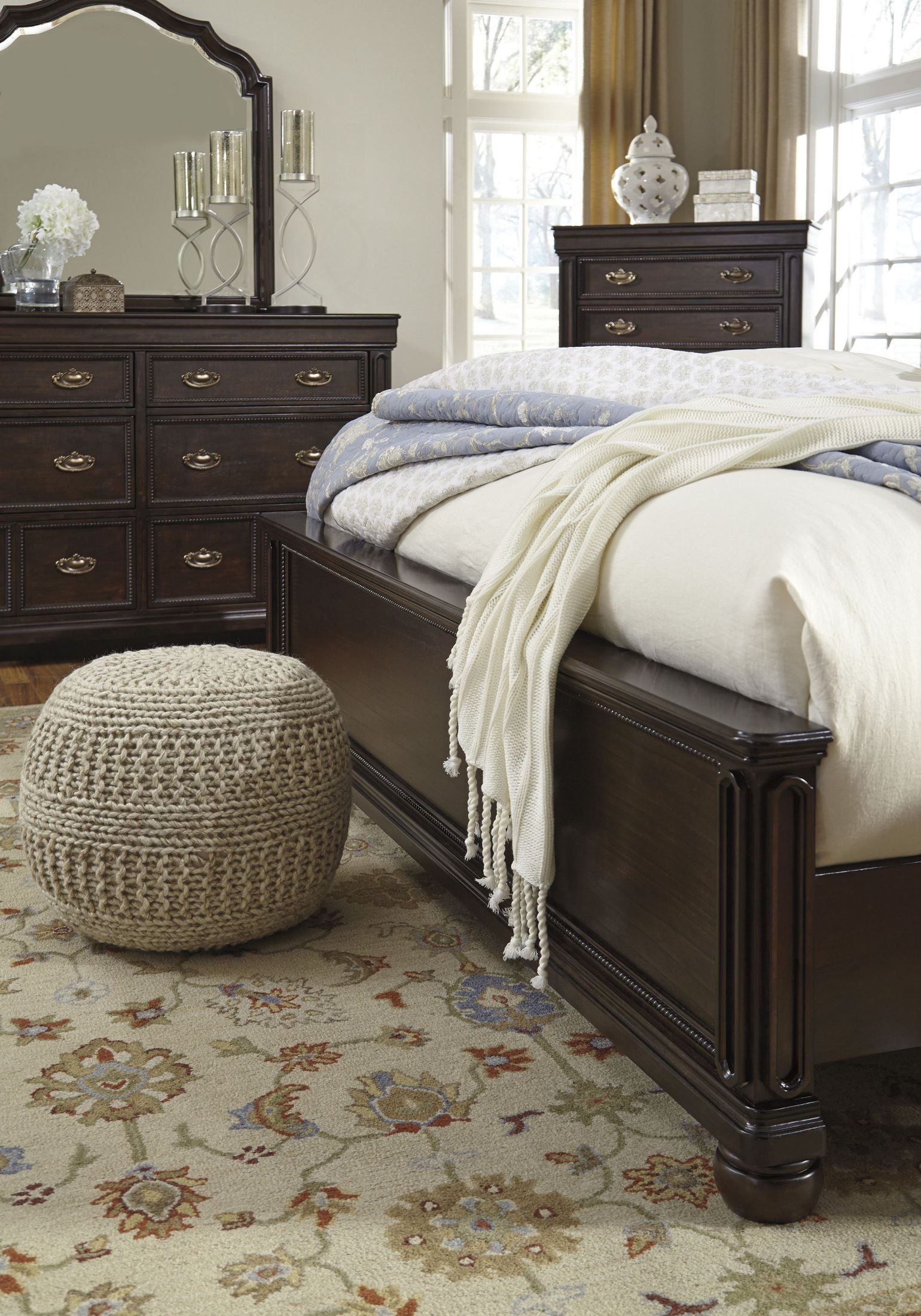 moluxy dark brown cal king upholstered sleigh bed b596 56 58 94 ashley. Black Bedroom Furniture Sets. Home Design Ideas