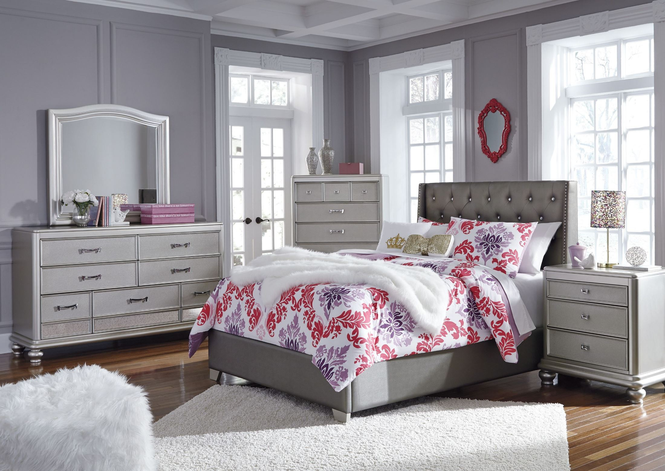 Coralayne gray textured upholstered youth panel bedroom set