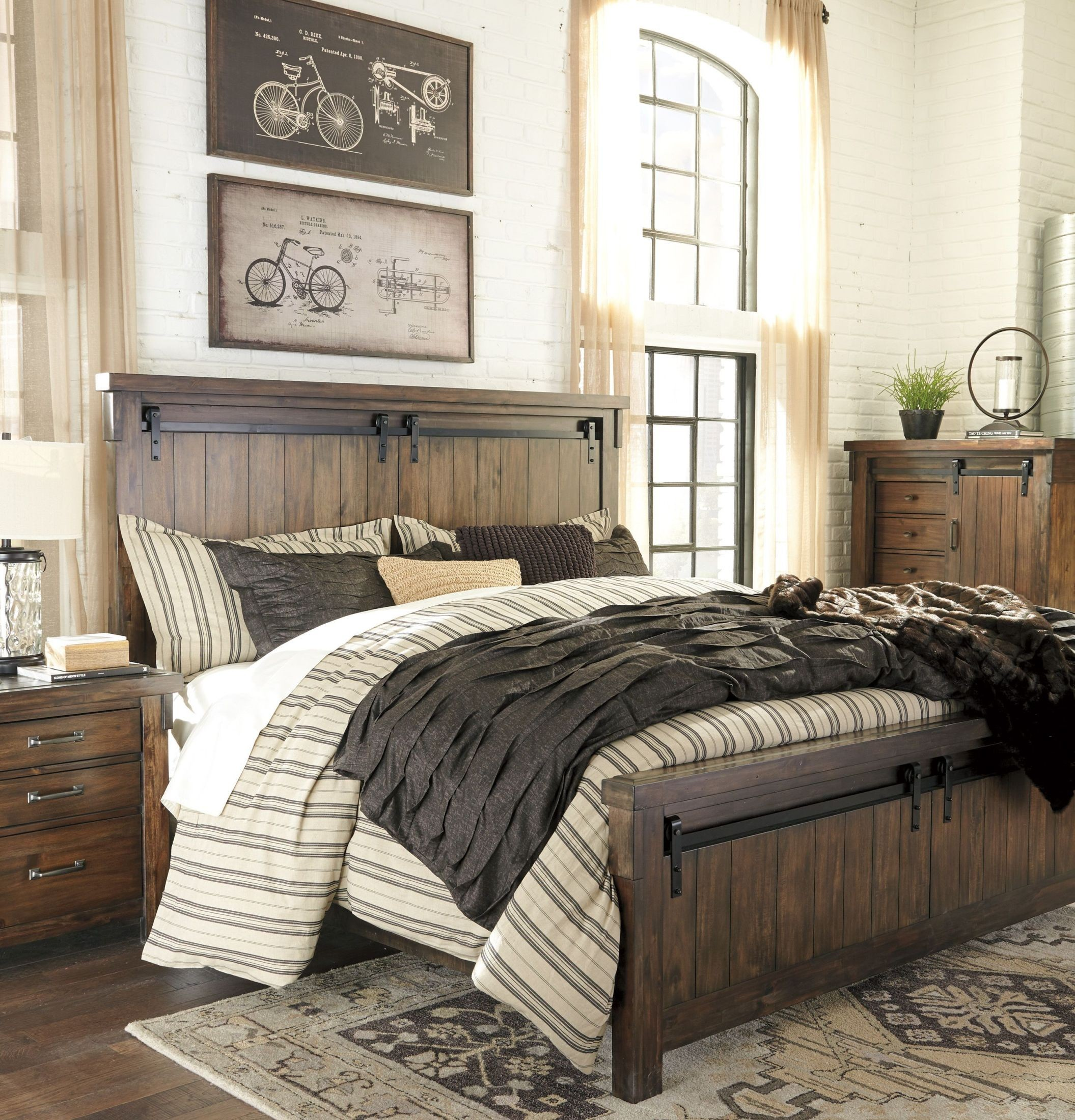 Lakeleigh Brown King Panel Bed From Ashley Coleman Furniture