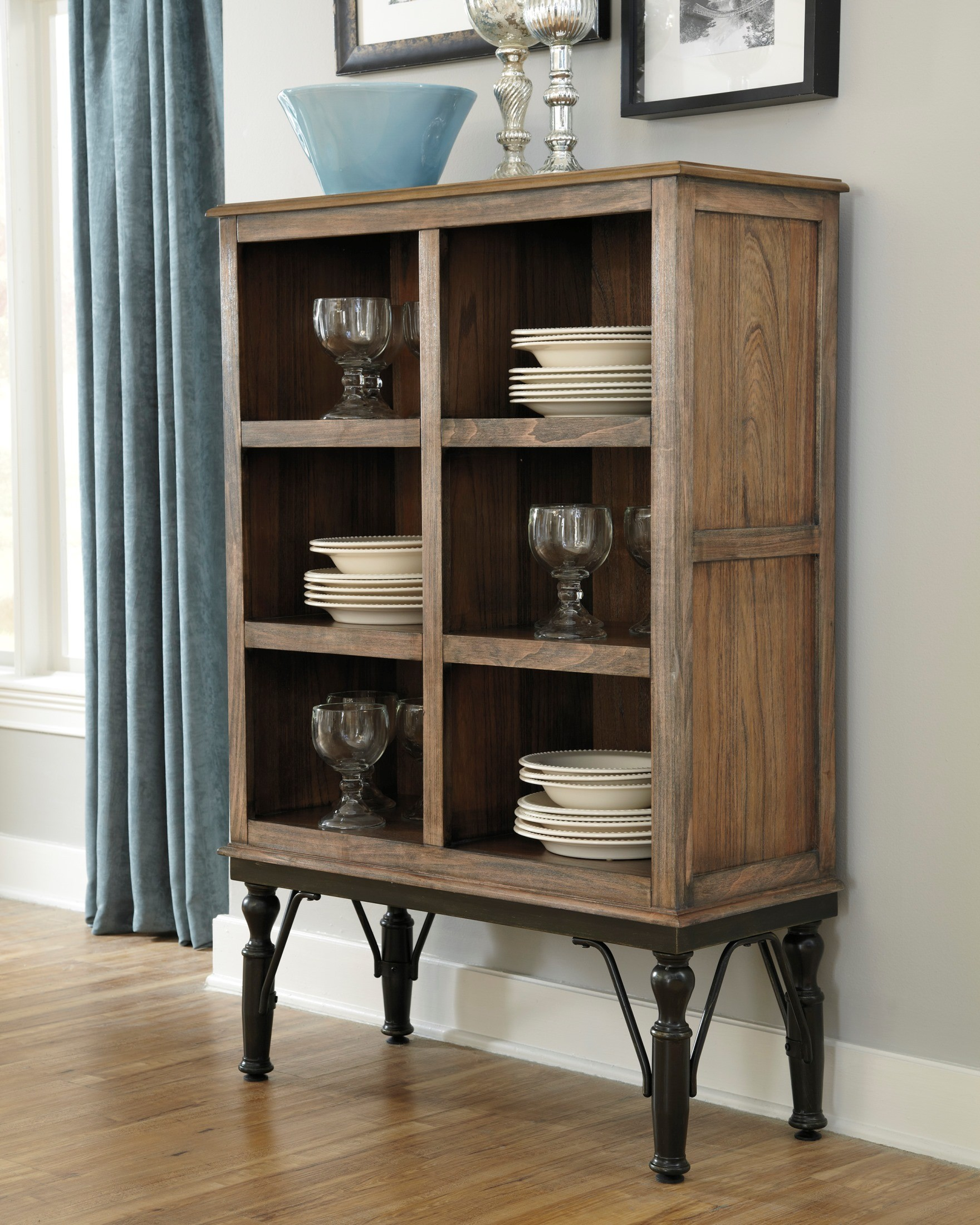 Server For Dining Room: Tripton Dining Room Server From Ashley (D530-76)