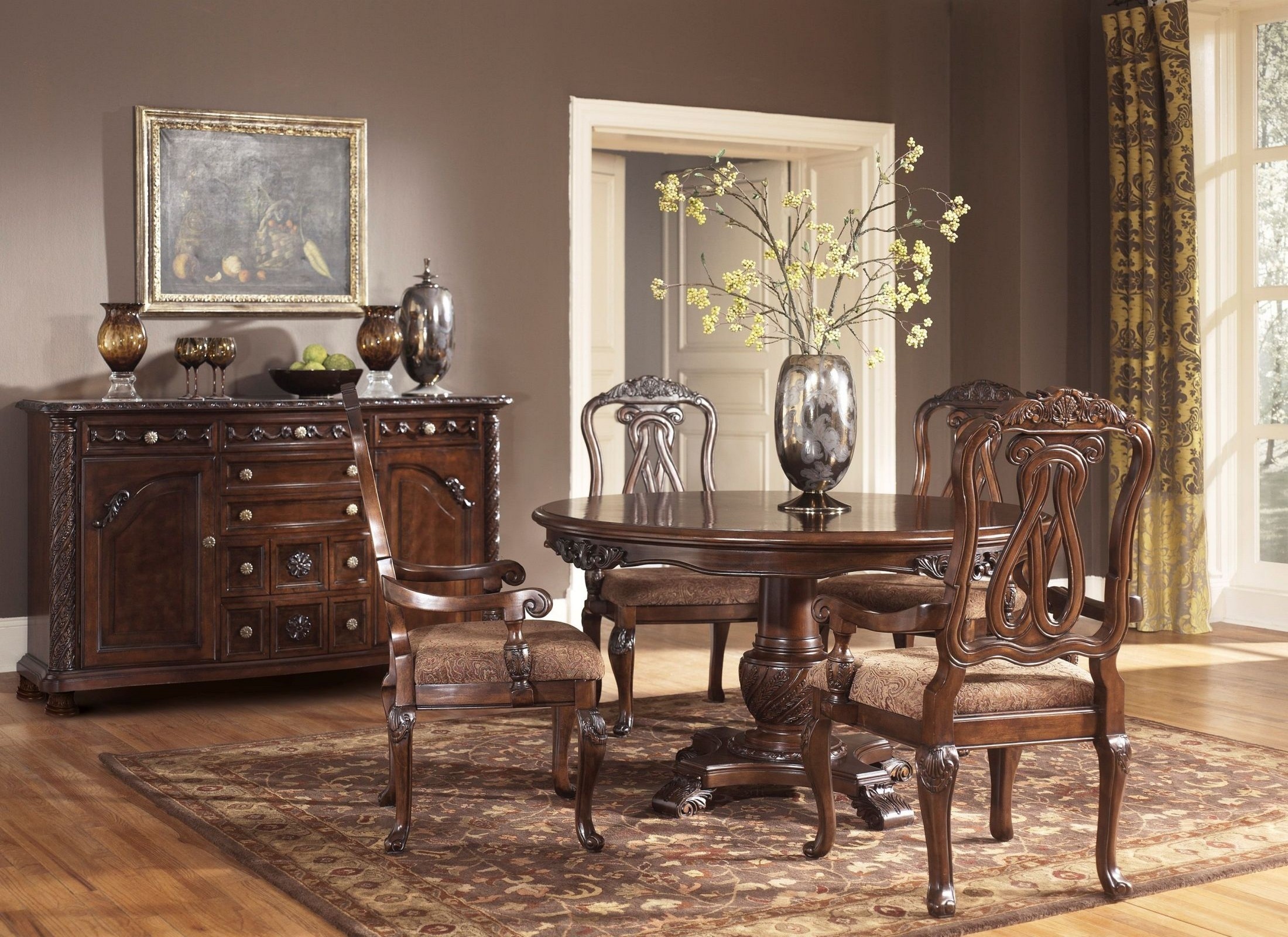 North Shore Round Pedestal Dining Room Set ...
