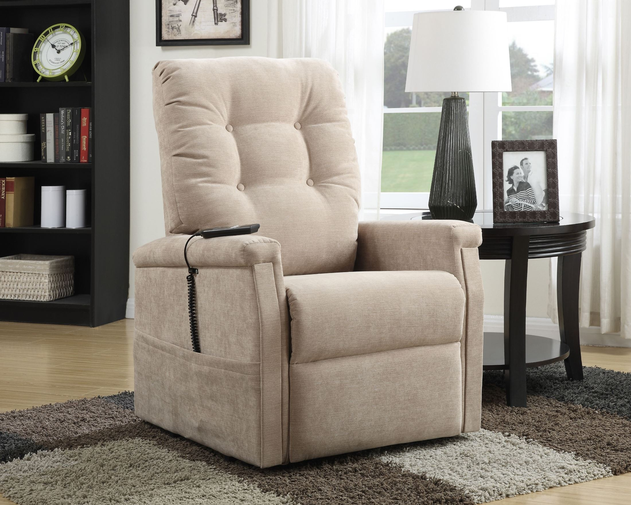 Montreal Piedra Fabric Lift Chair from Pulaski DS 1667 016 050