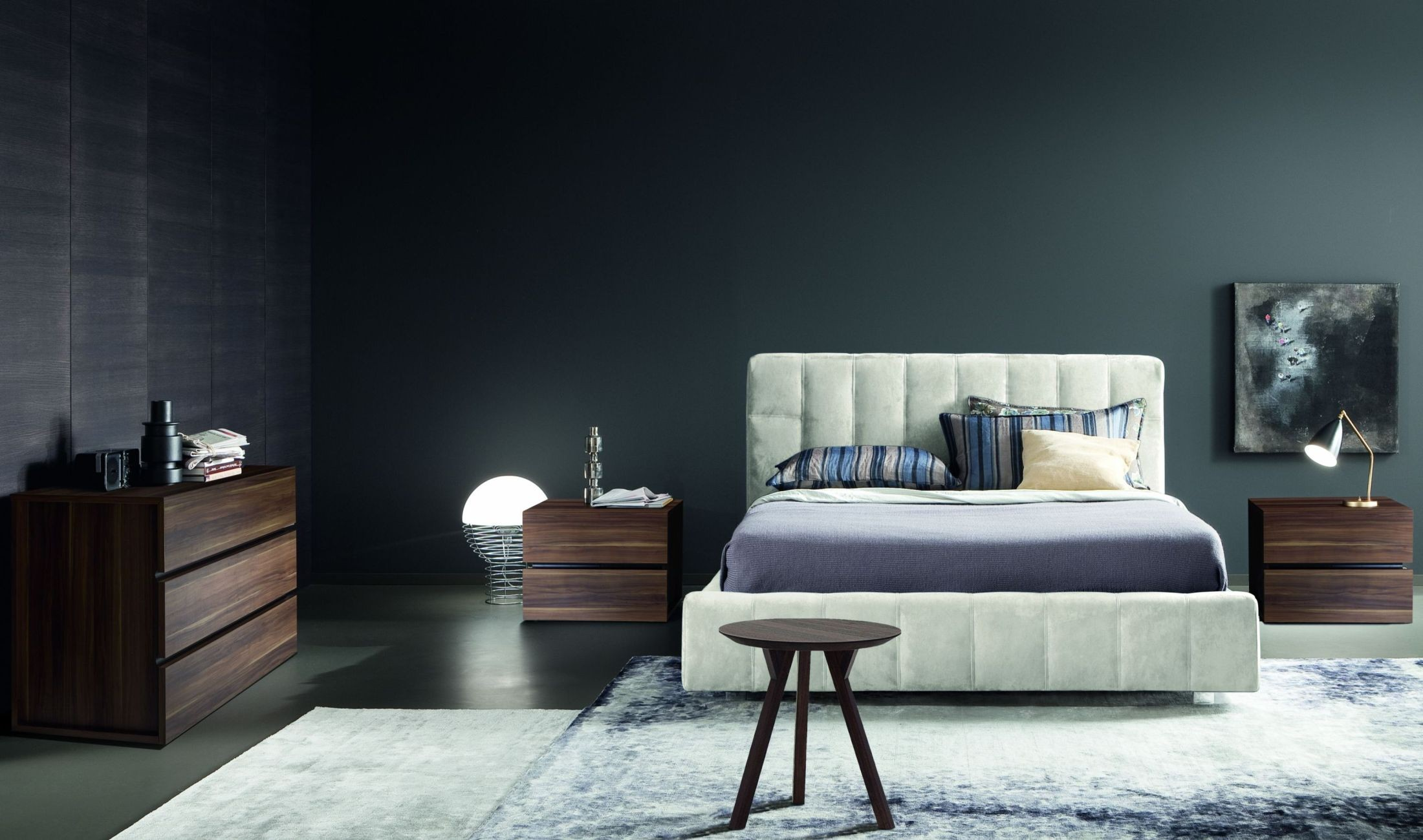 Essence Ghiaccio Nabuk Flat Platfrom Bedroom Set From Rossetto Coleman Furniture
