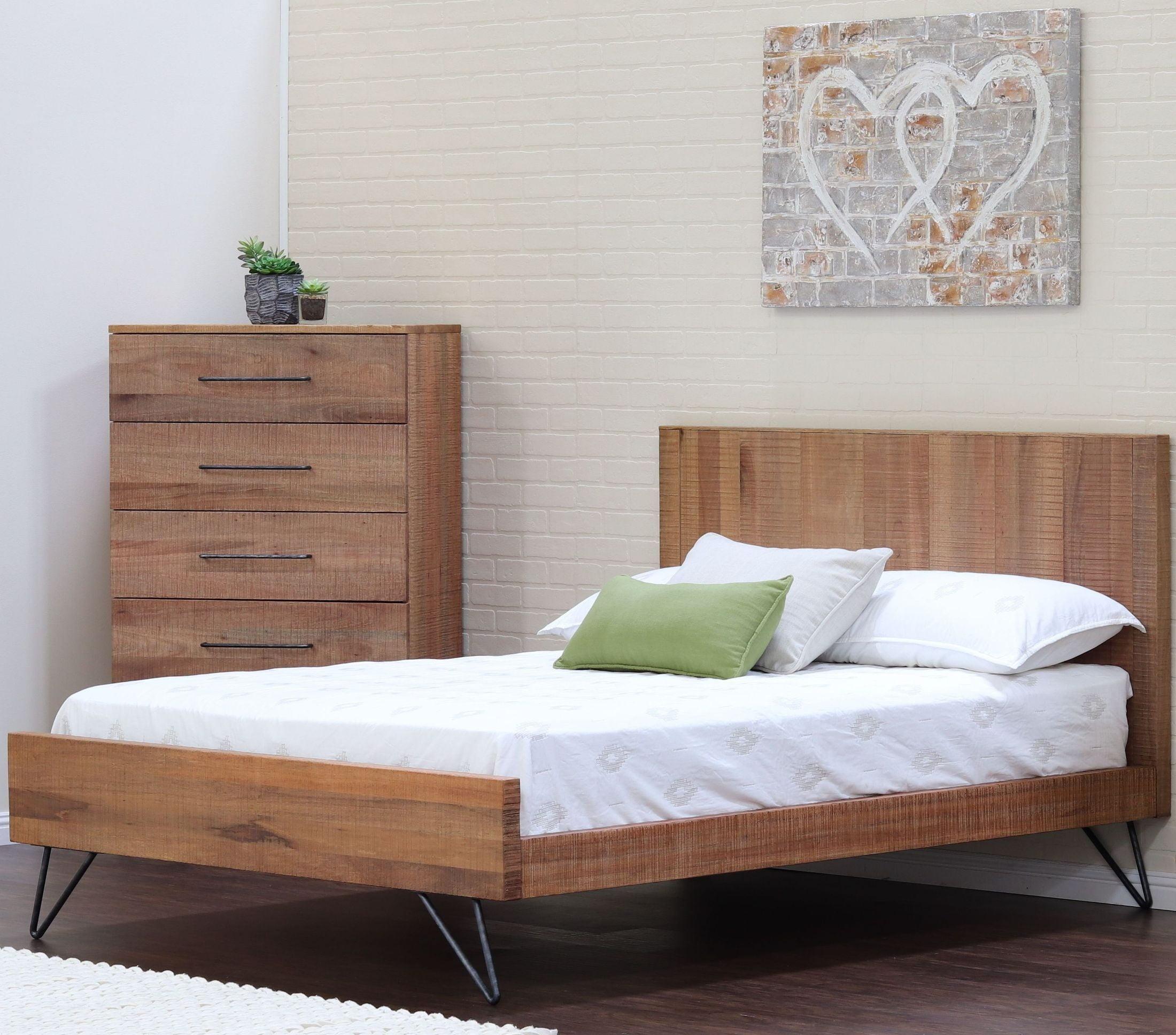 Austin Cinnamon Panel Bedroom Set From Ligna Furniture   Coleman Furniture