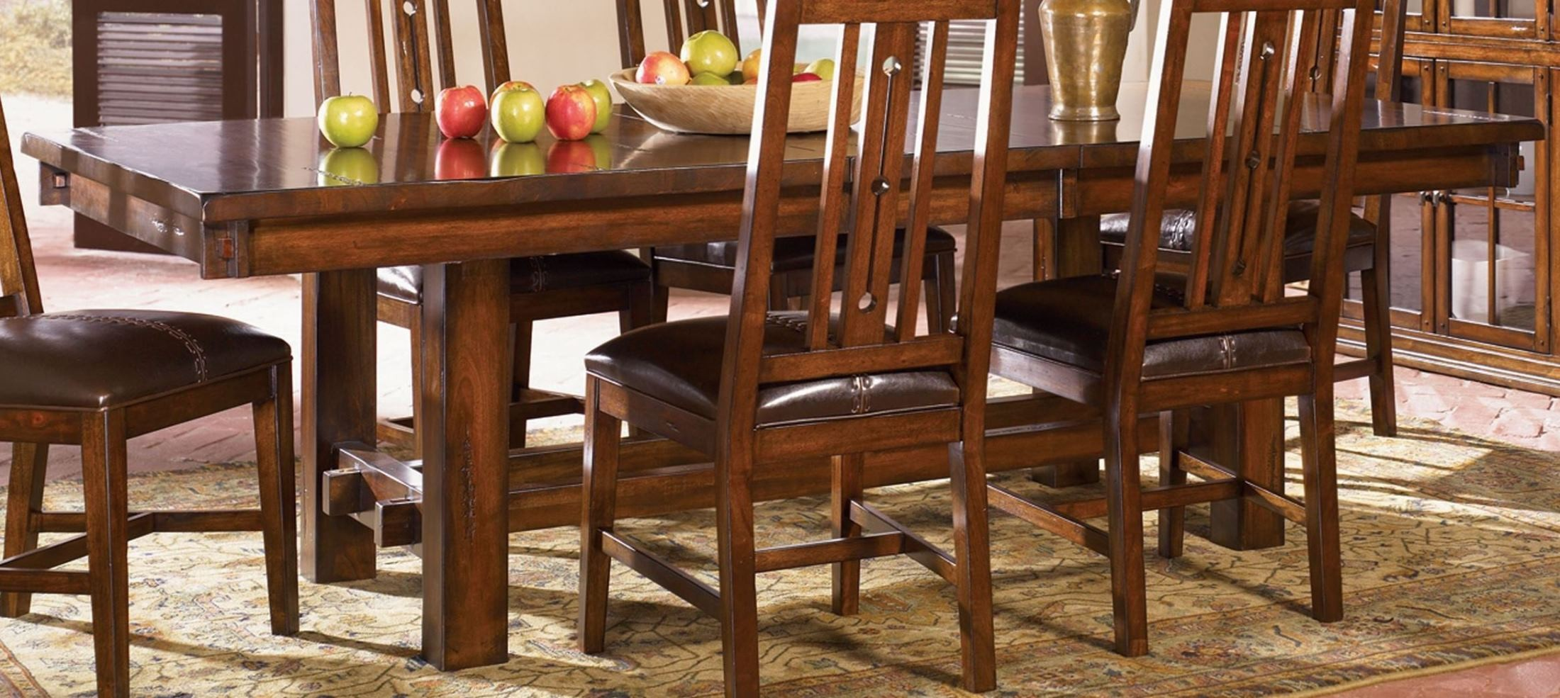 Mesa rustica 92 aged mahogany extendable trestle dining for Mesas rusticas
