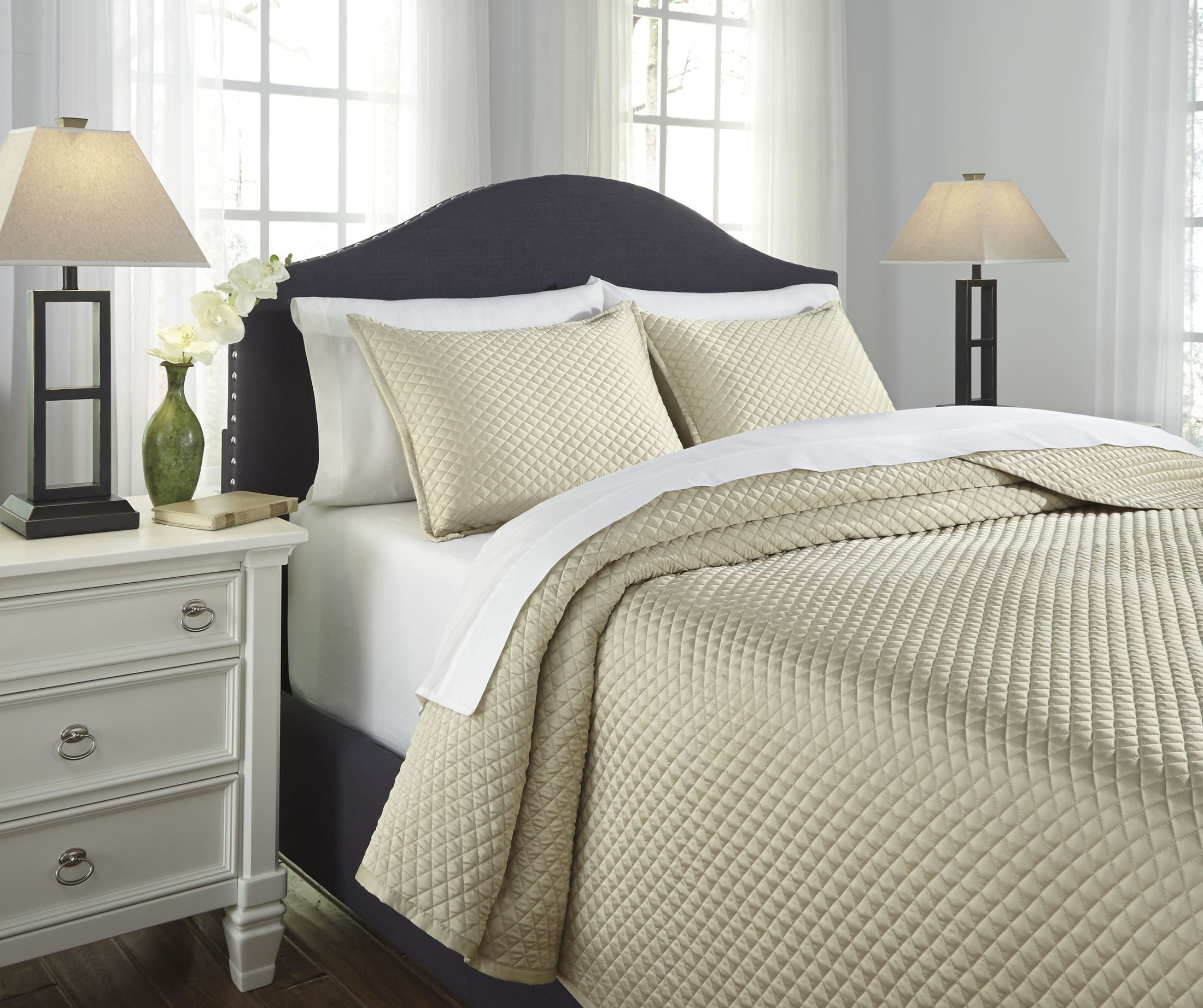 Dietrick sand queen quilt set from ashley coleman furniture for Furniture 7 days to die