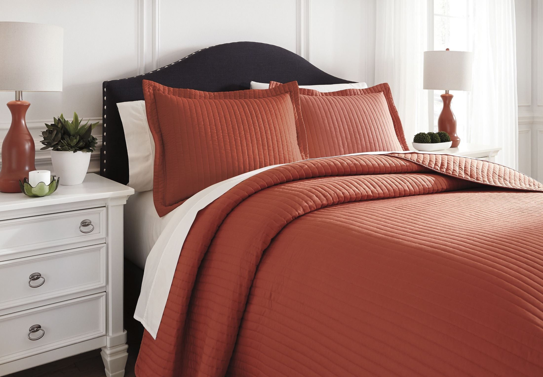 Raleda Orange Queen Comforter Set From Ashley Q496003q