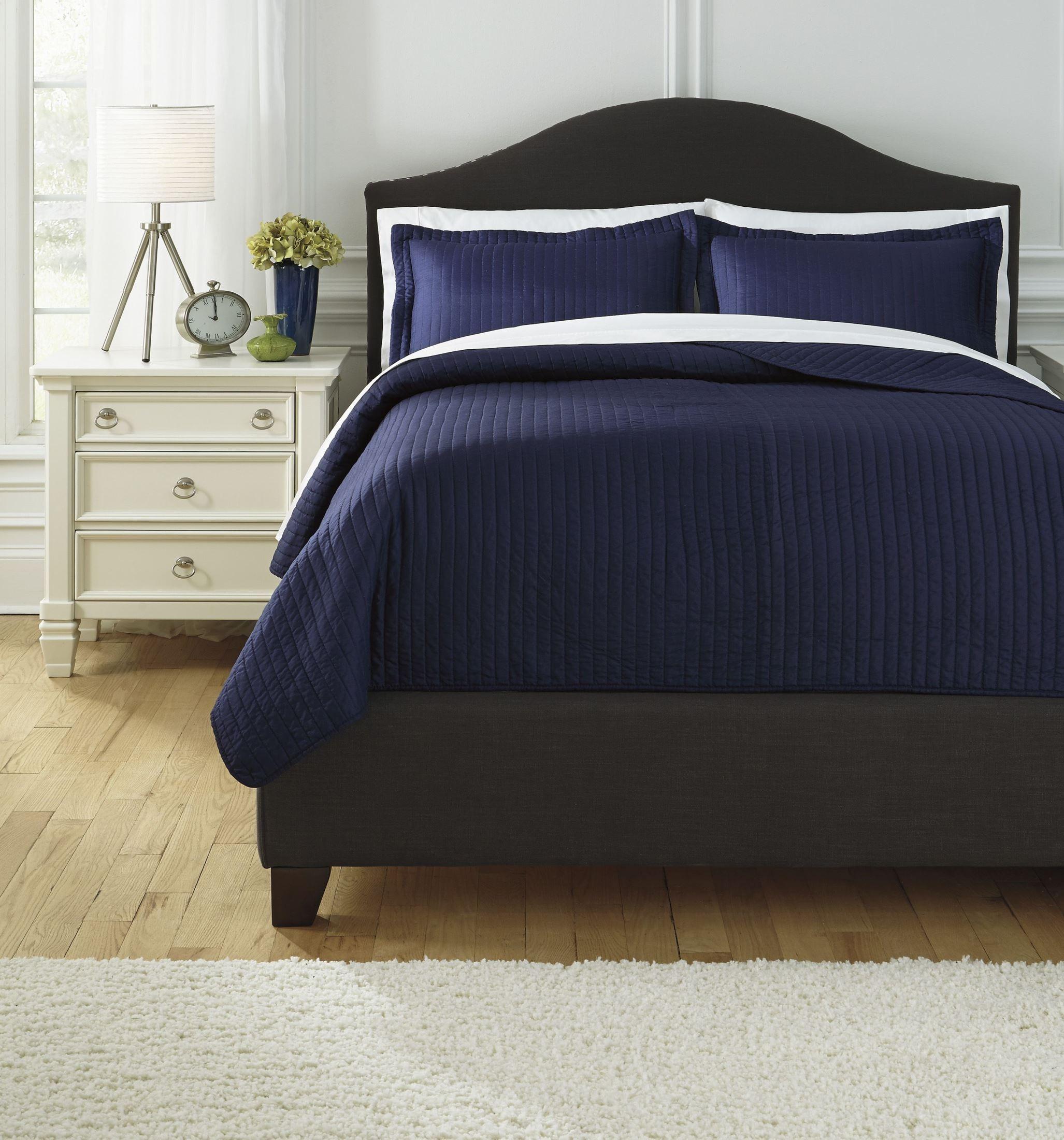 Raleda Navy Queen Comforter Set From Ashley Q497003q