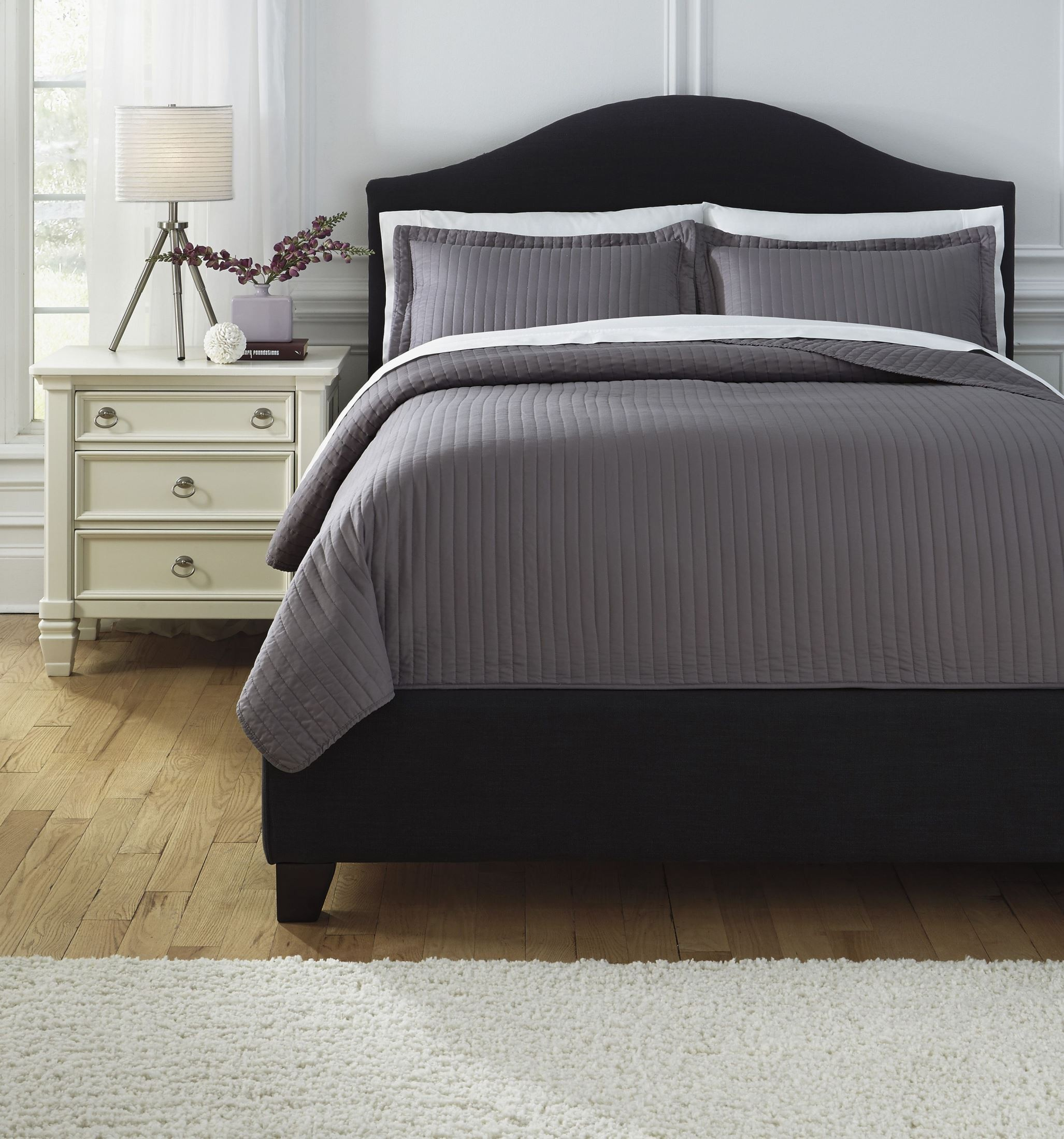 Raleda gray queen comforter set from ashley q498003q for Bedroom set and mattress