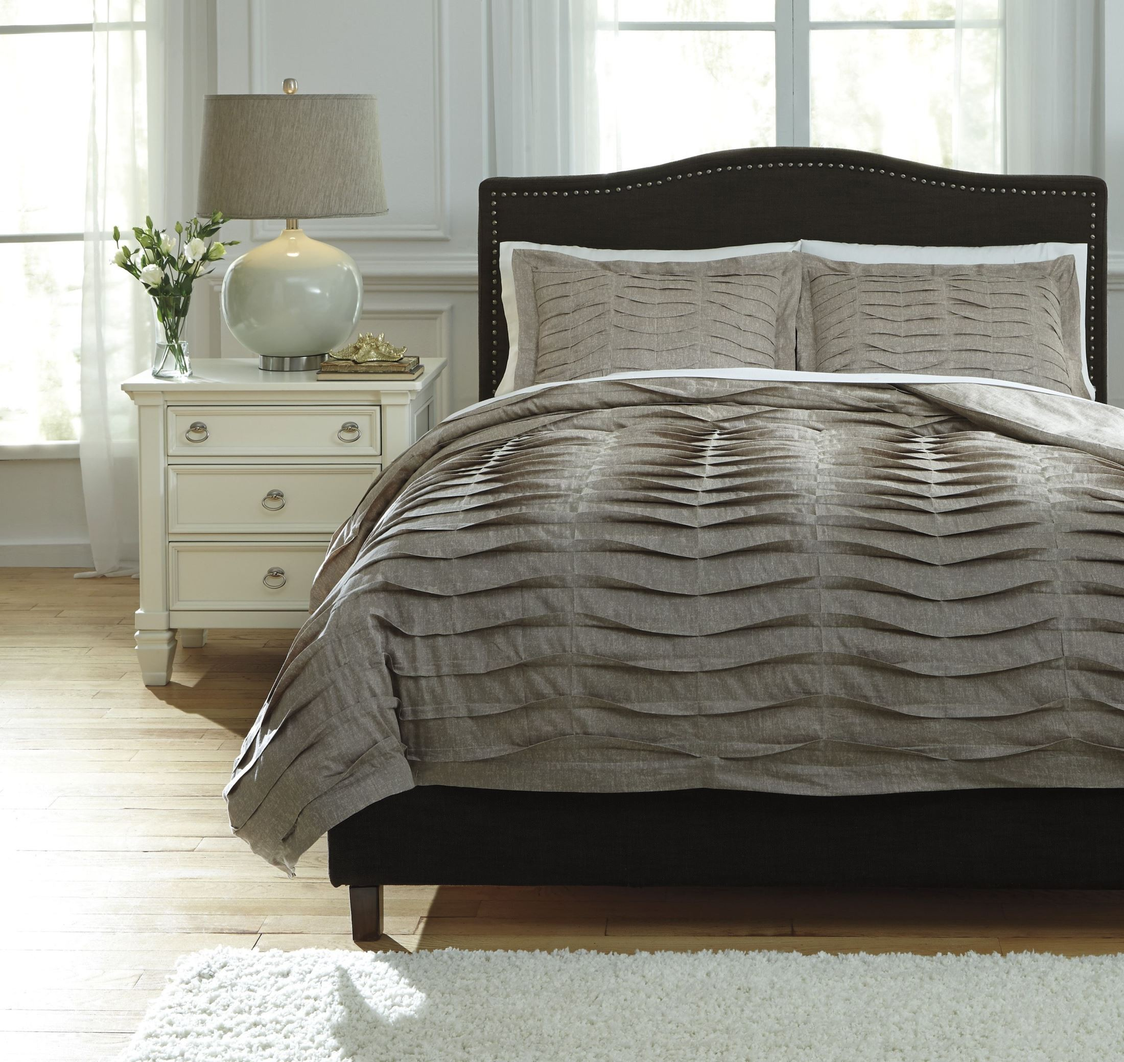 Voltos Dark Brown King Duvet Cover Set From Ashley