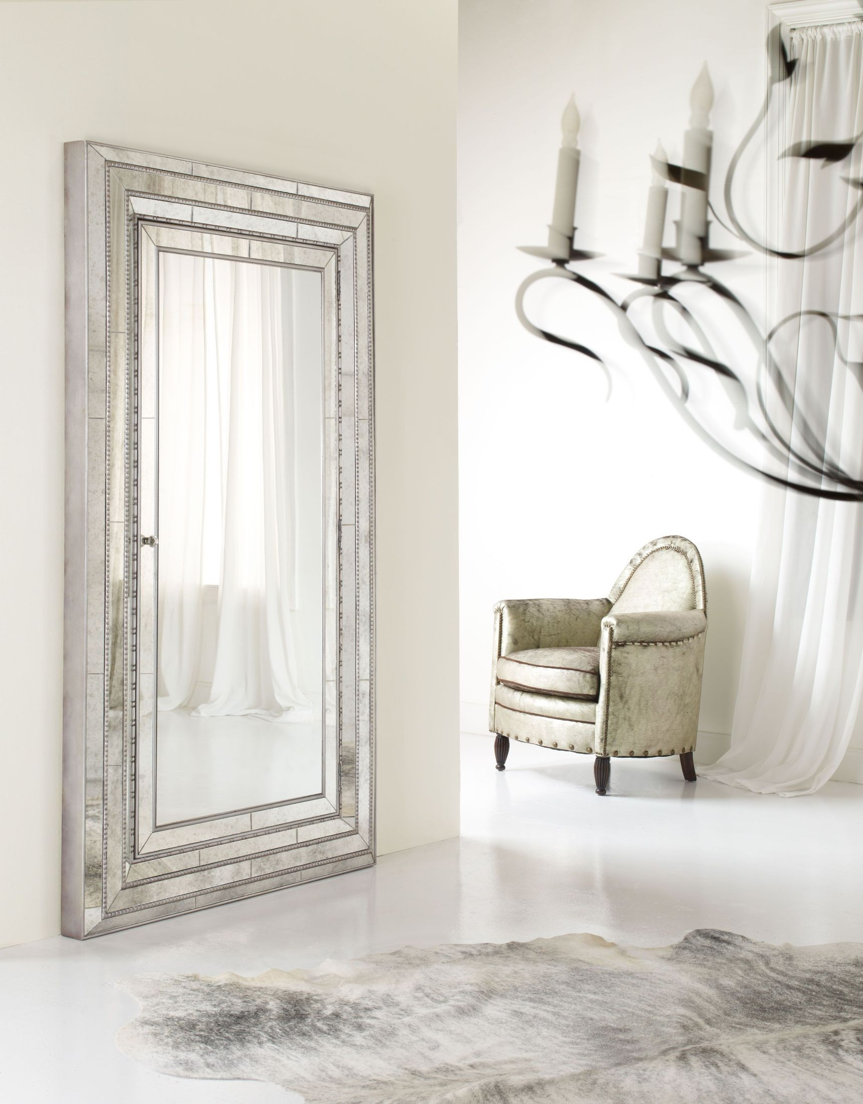 Melange Gold Glamour Floor Mirror With Jewelry Storage