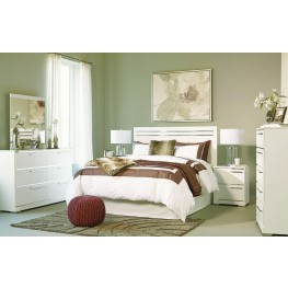 Brillaney White Panel Bedroom Set