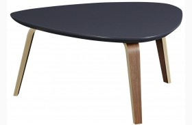 Tisdale Medium Ebony Cocktail Table